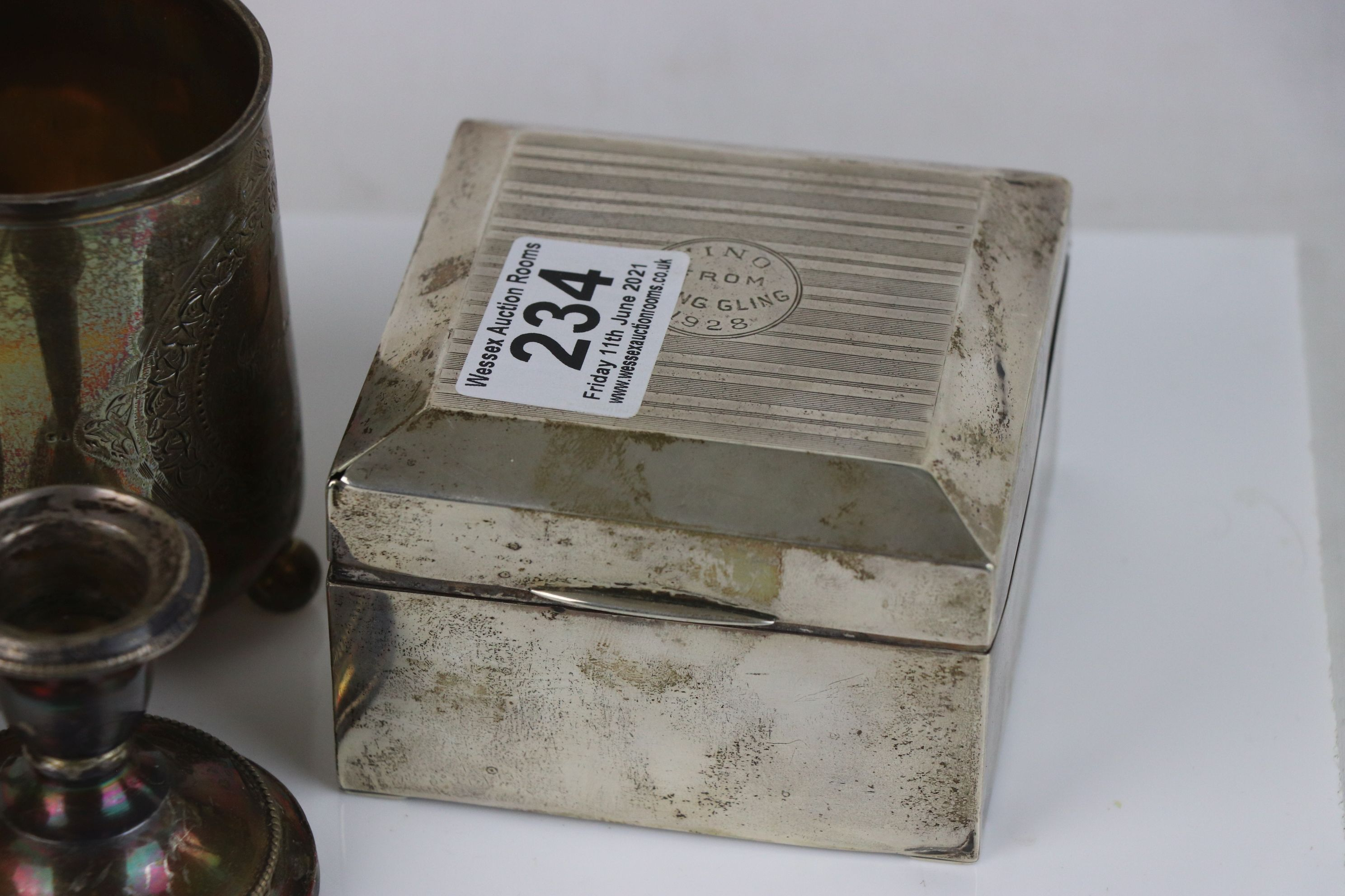 A collection of fully hallmarked sterling silver collectables to include Cigarette box, Trophy, Cup, - Image 4 of 5