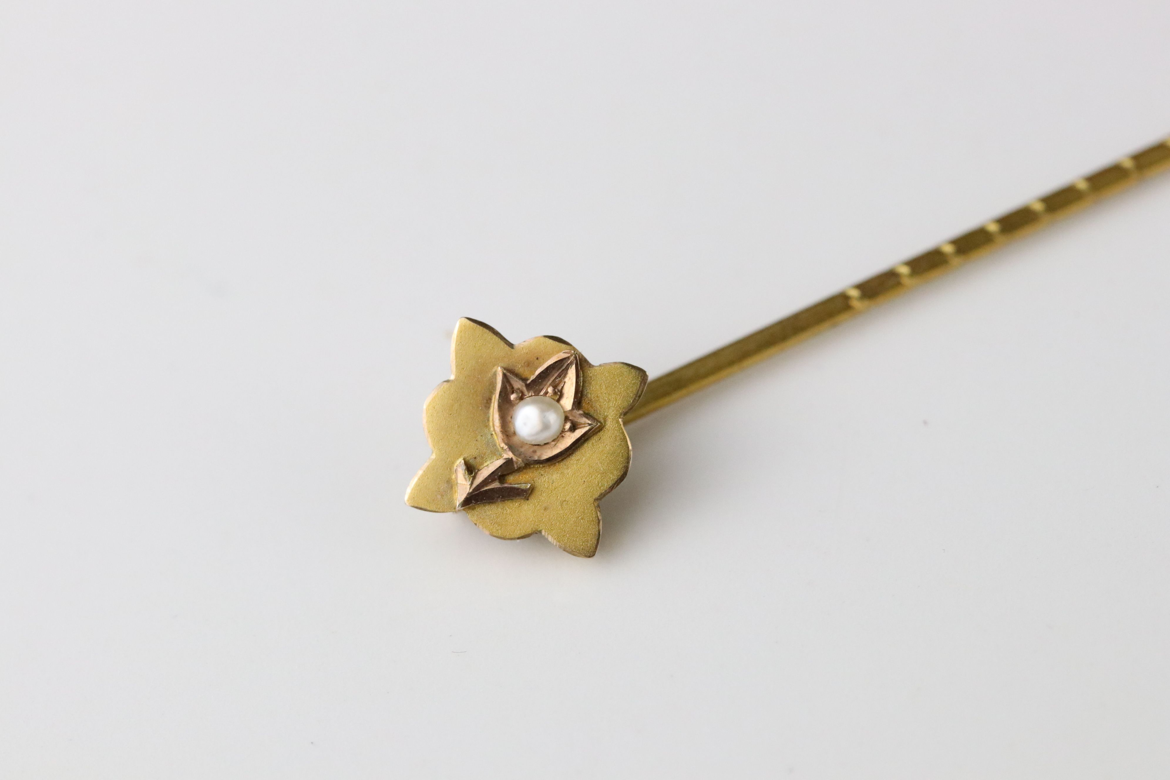 Victorian amethyst and seed pearl 9ct yellow gold crescent stick pin; Victorian seed pearl 9ct - Image 2 of 4