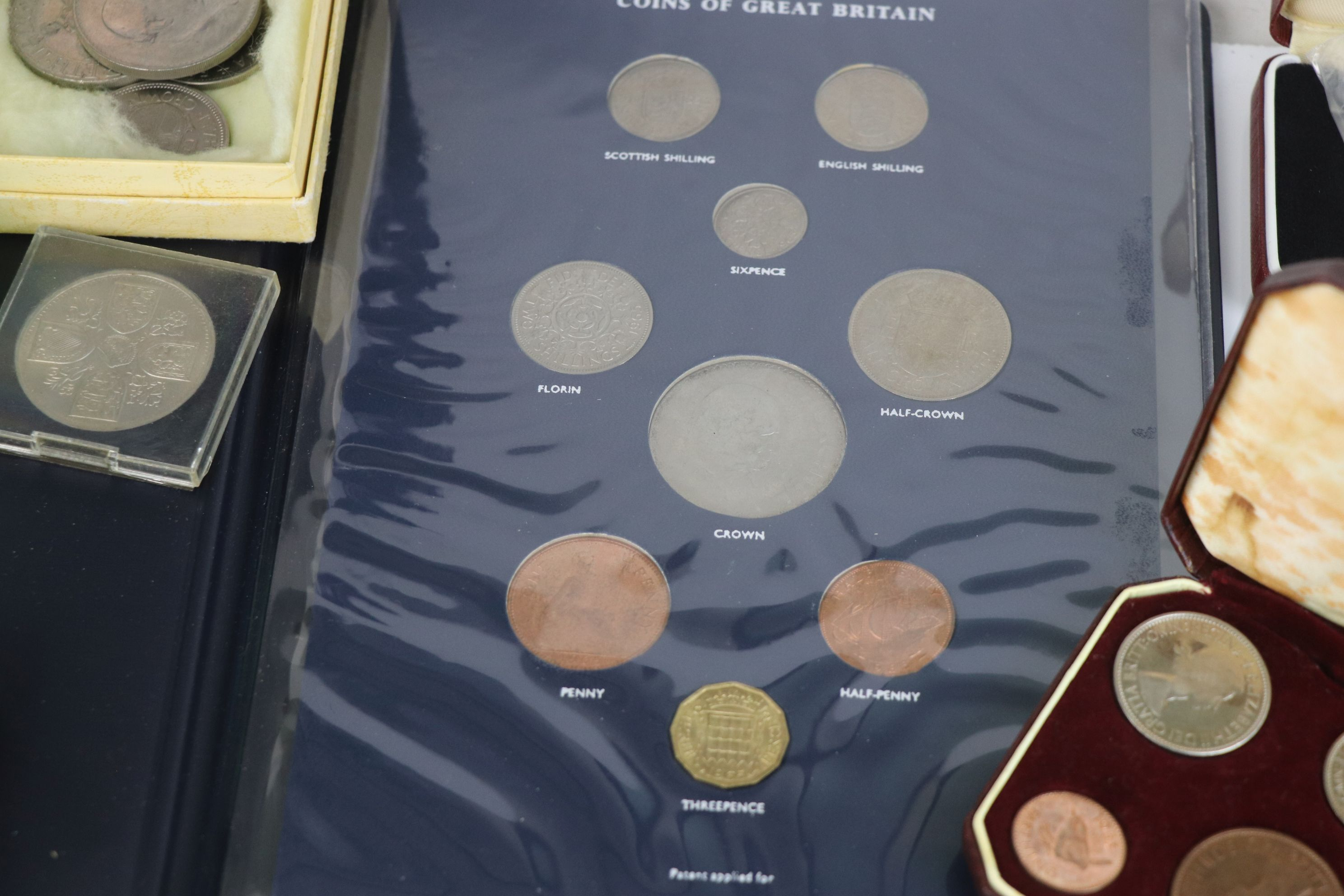 A collection of mainly British coins to include a cased 1953 Royal Mint 1953 coin set, a 1970 - Image 7 of 9