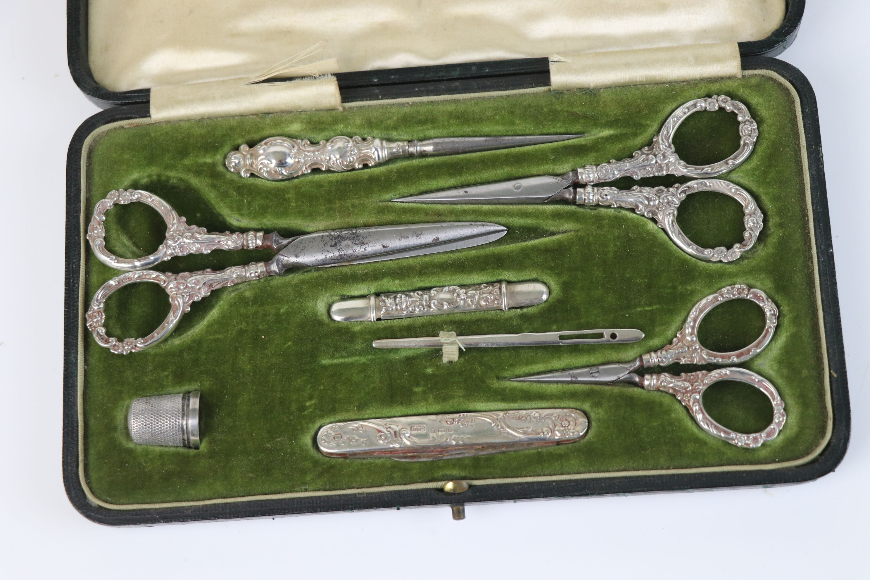 A fully hallmarked sterling silver cased sewing set, maker marked for Levi & Salaman, assay marked - Image 2 of 8