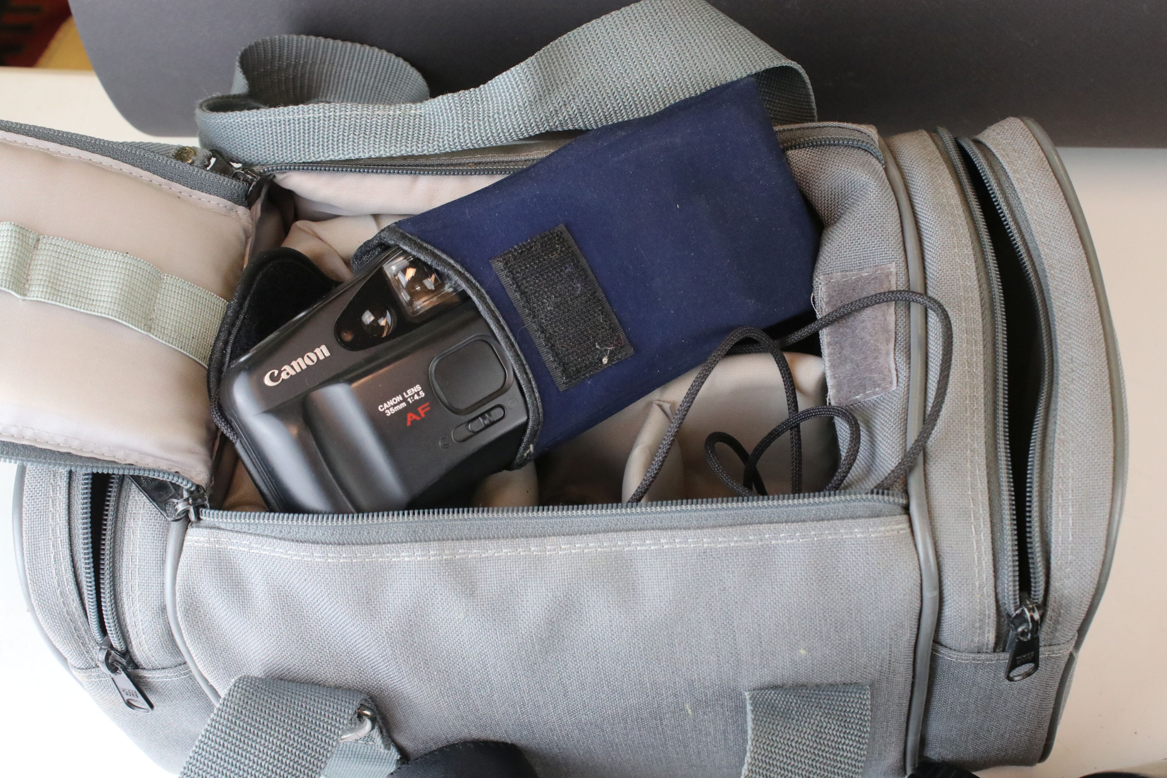 A collection of cameras and photographic equipment to include an Olympus OM10 35mm SLR camera. - Image 6 of 6