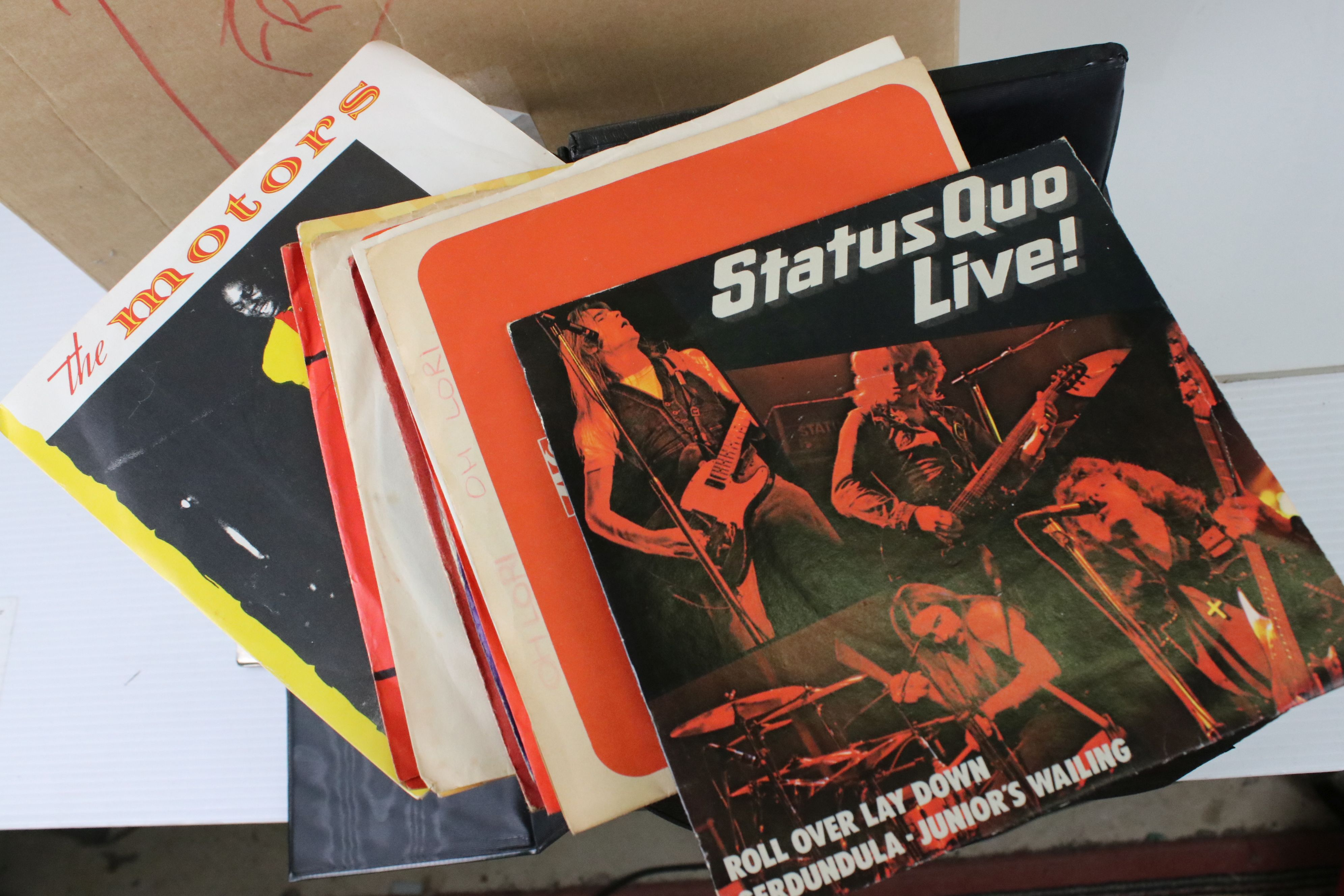 """Vinyl - Pop collection of approx 40 LP's and 100 7"""" singles to include Dire Straits, Paul Young, Cat - Image 5 of 6"""