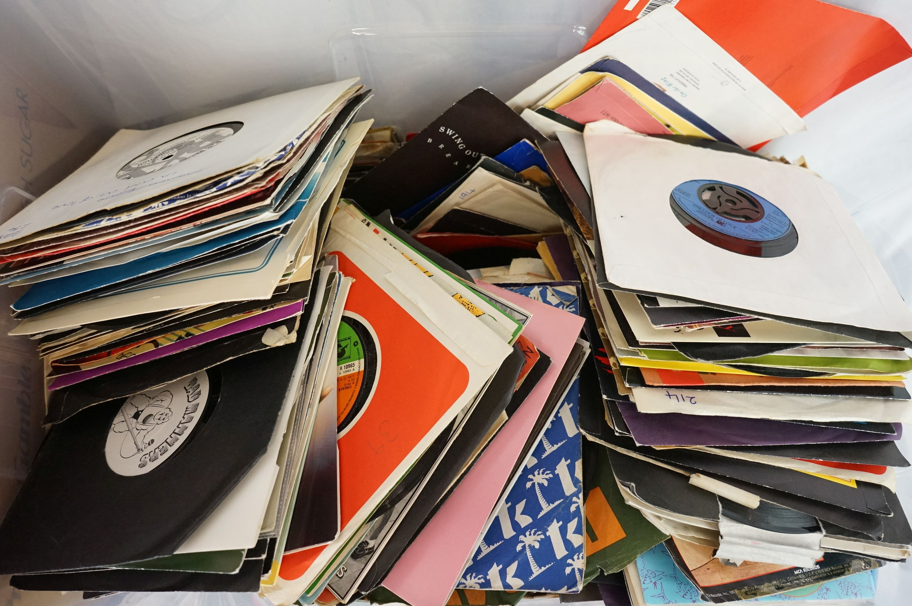 """Vinyl - Approx 300 vinyl 7"""" singles spanning the genres and the decades together with a small - Image 3 of 7"""