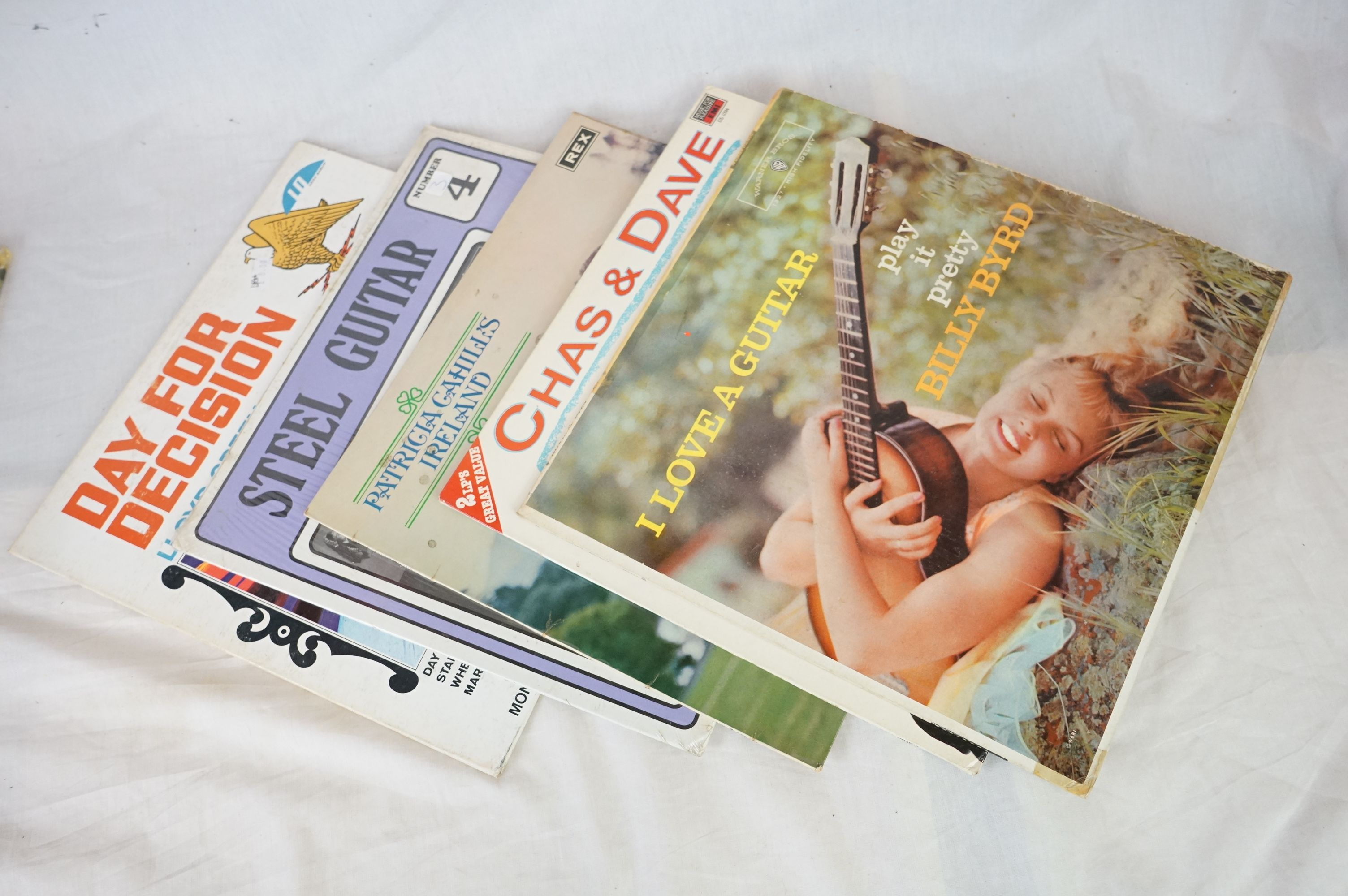 Vinyl - Over 300 LPs to include Country, MOR etc, sleeves and vinyl vg+ (three boxes) - Image 3 of 4