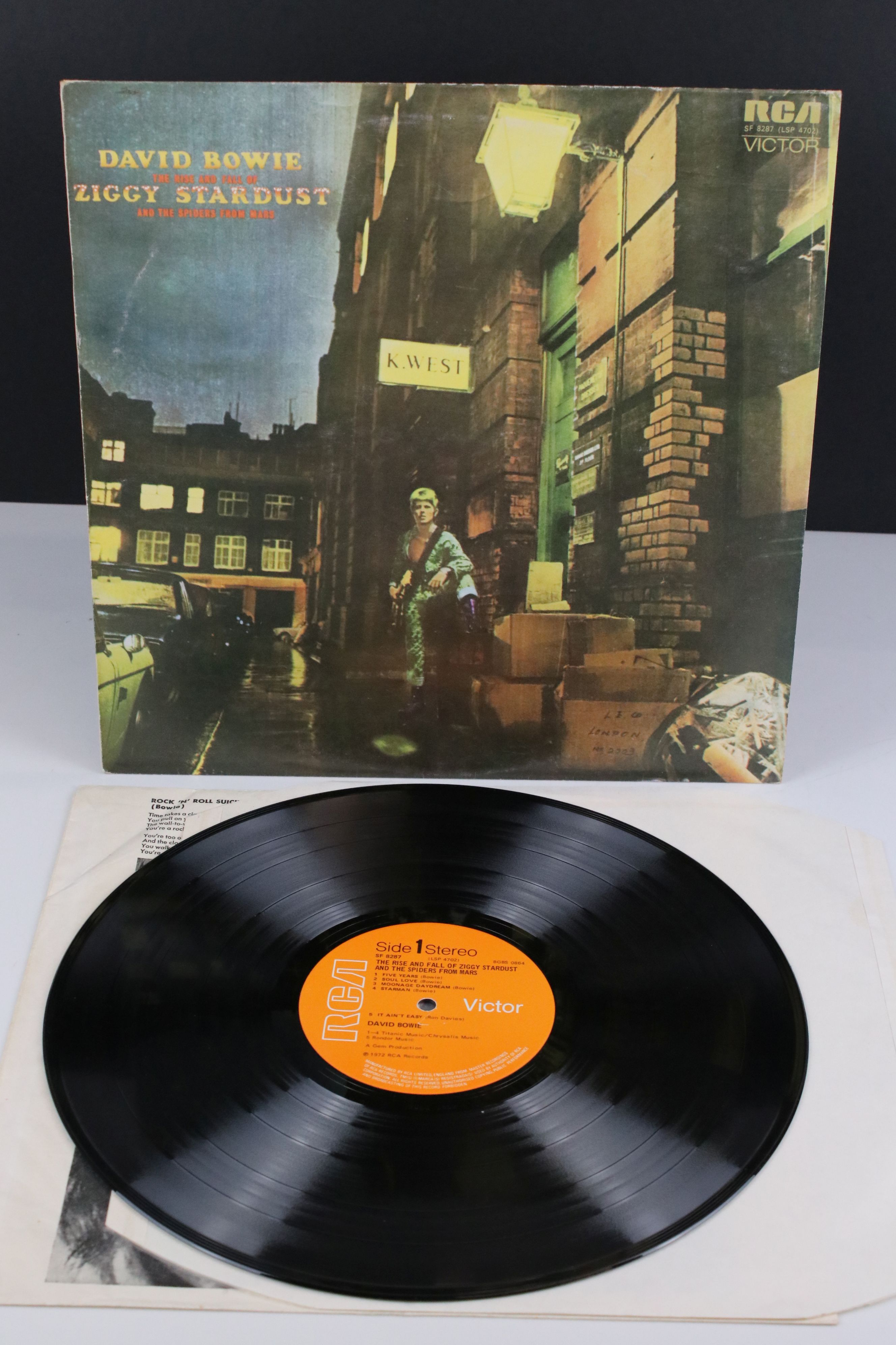 Vinyl - David Bowie The Rise and Fall of Ziggy Stardust LP on RCA8287, shiny orange RCA label,