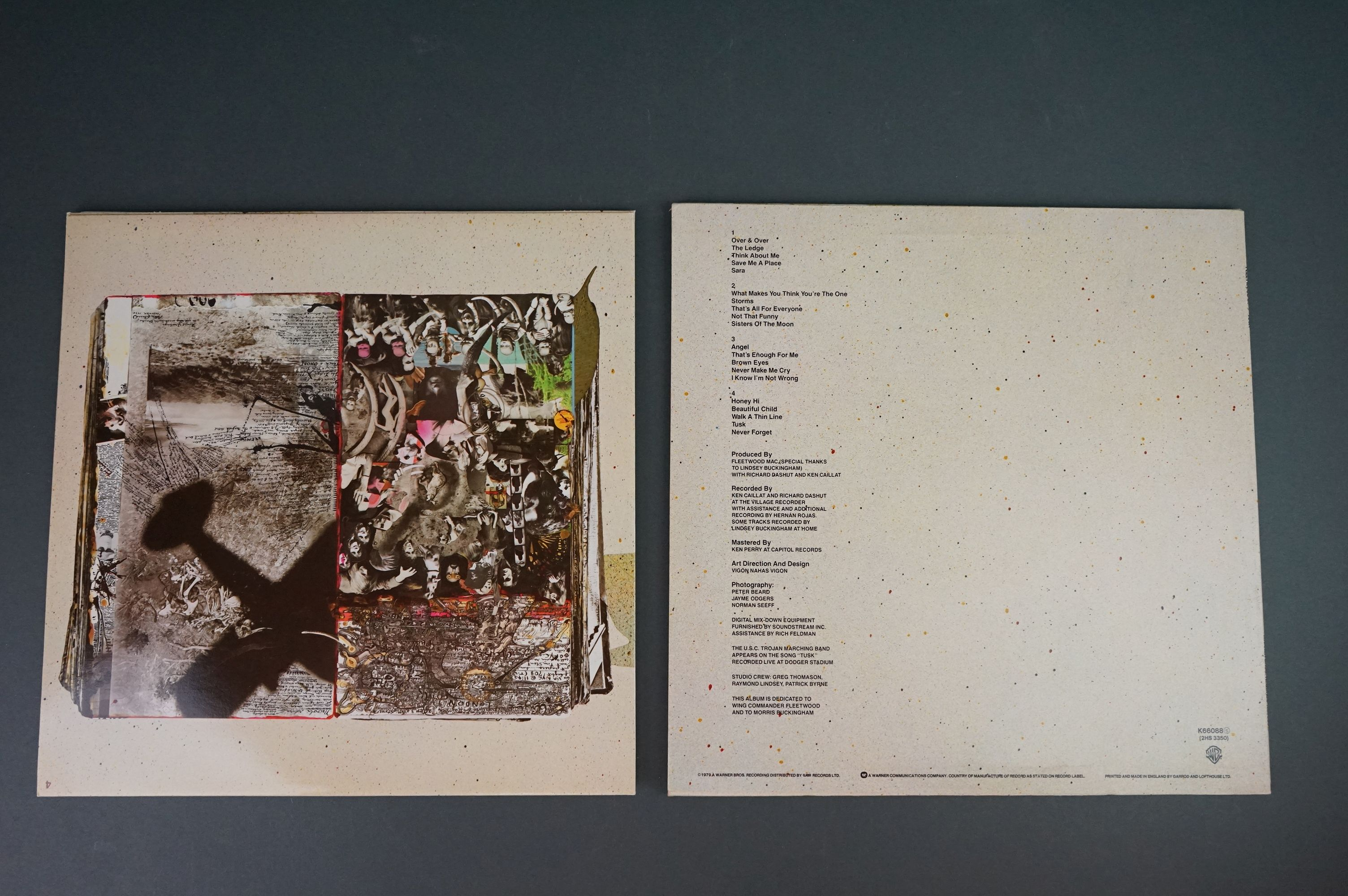 Vinyl - Two Fleetwood Mac LPs to include Tusk (K66088) and Rumours (K56344), sleeves and vinyl vg+ - Image 7 of 7