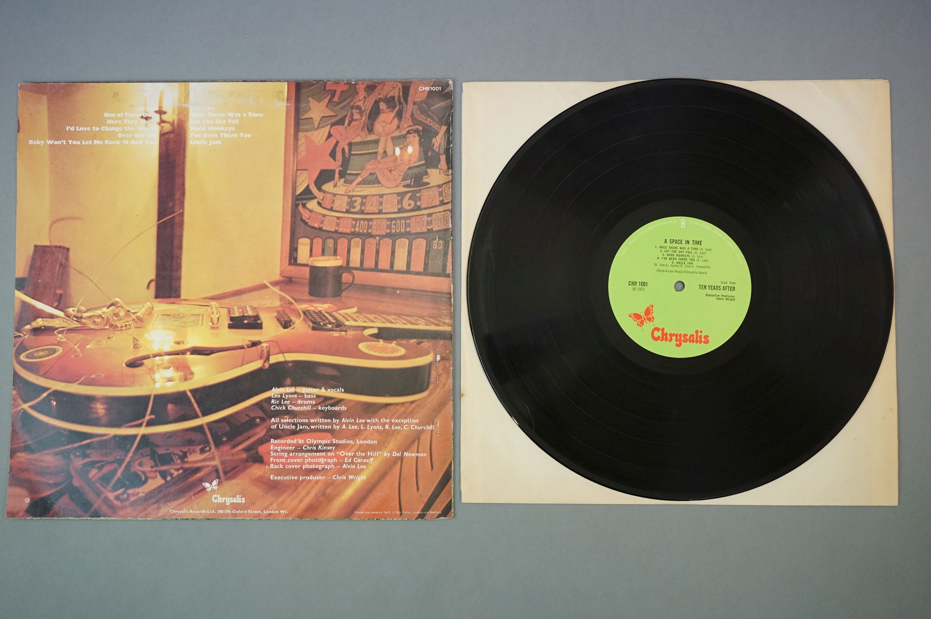 Vinyl - Ten Years After A Space In Time (CHR 1001) Green label with manufactured and distributed - Image 3 of 4