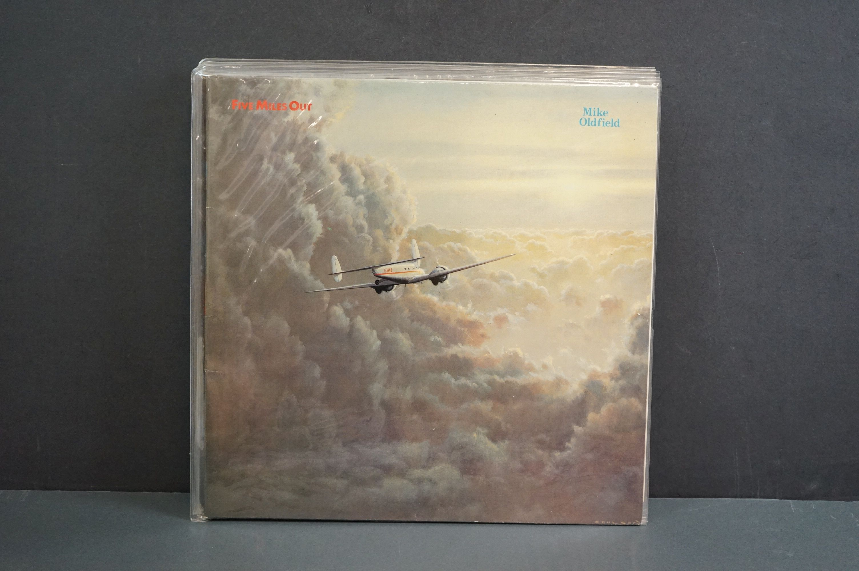 Vinyl - 14 Mike Oldfield LPs to include Tubular Bells, Five Miles Out, Best Of, Discovery etc, - Image 6 of 15