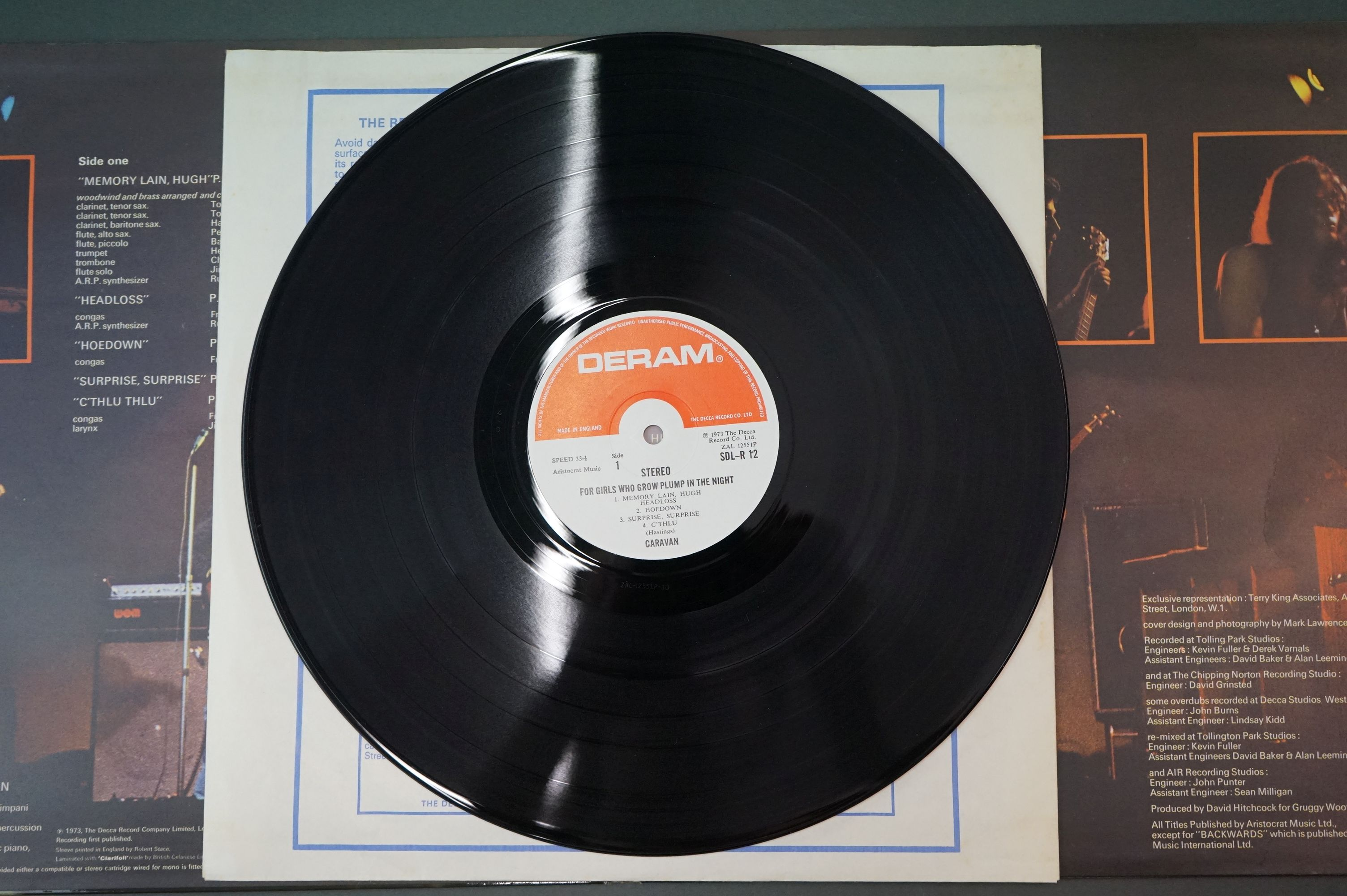 Vinyl - Caravan, For Girls Who Grow Plump in the Night LP on Deram SDLR12 red/white label, - Image 4 of 6