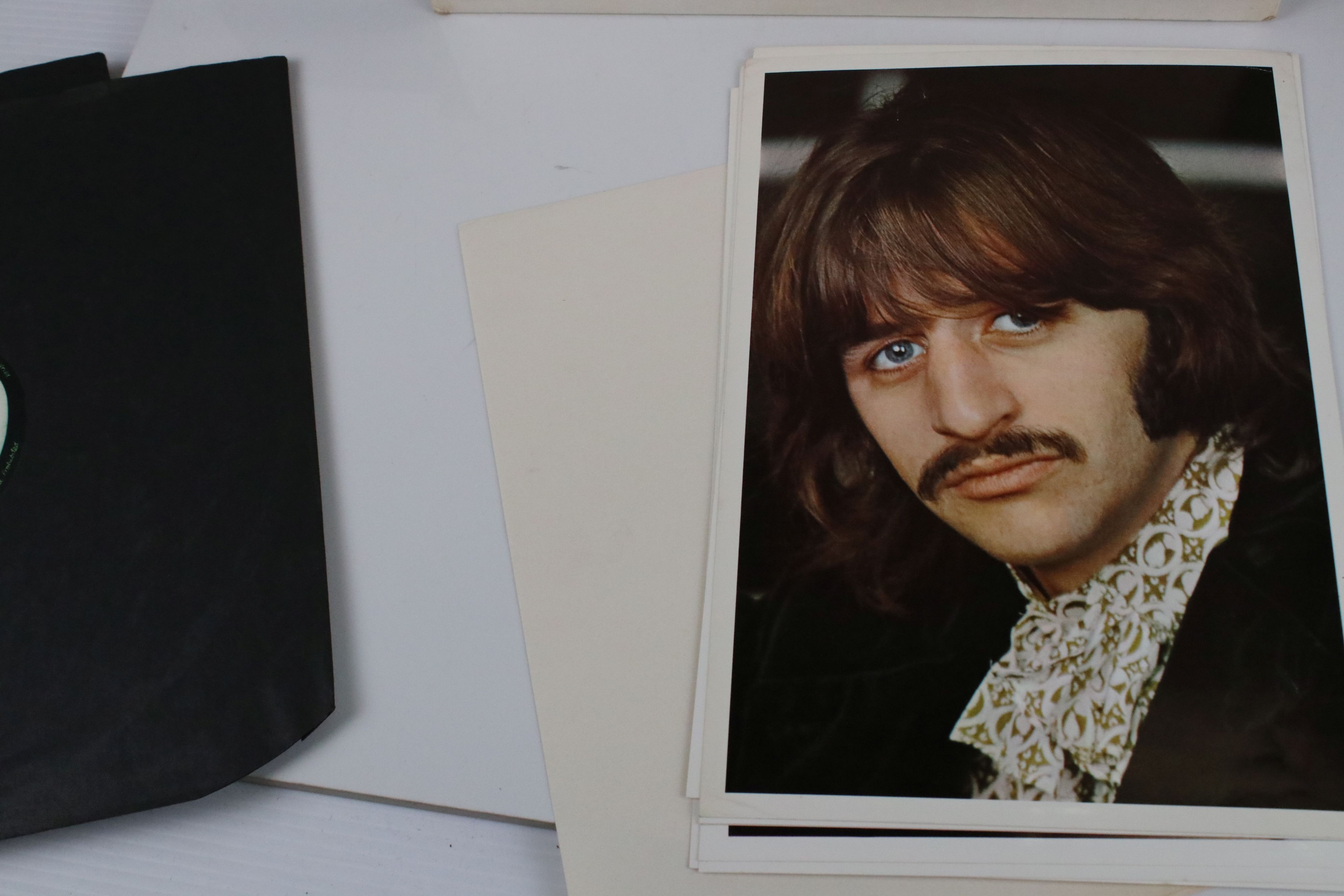 Vinyl - The Beatles White Album LP mono PMC7067-8, numbered 0001376 with 8 x coloured prints and - Image 7 of 10