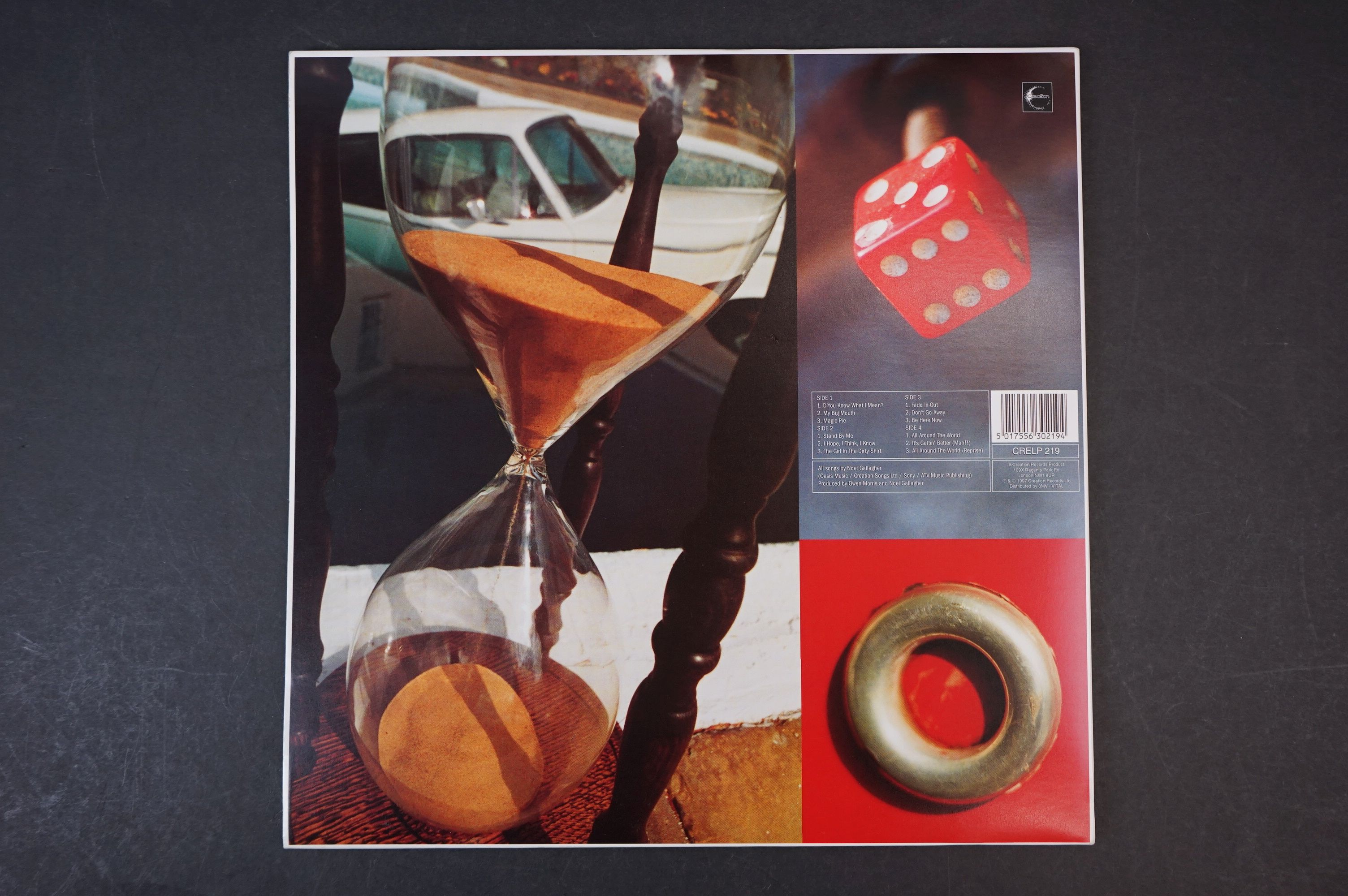 Vinyl - Oasis Be Here Now 2 LP on Creation CRELP219, sleeve ex, vinyl vg+ with a couple of marks - Image 10 of 10