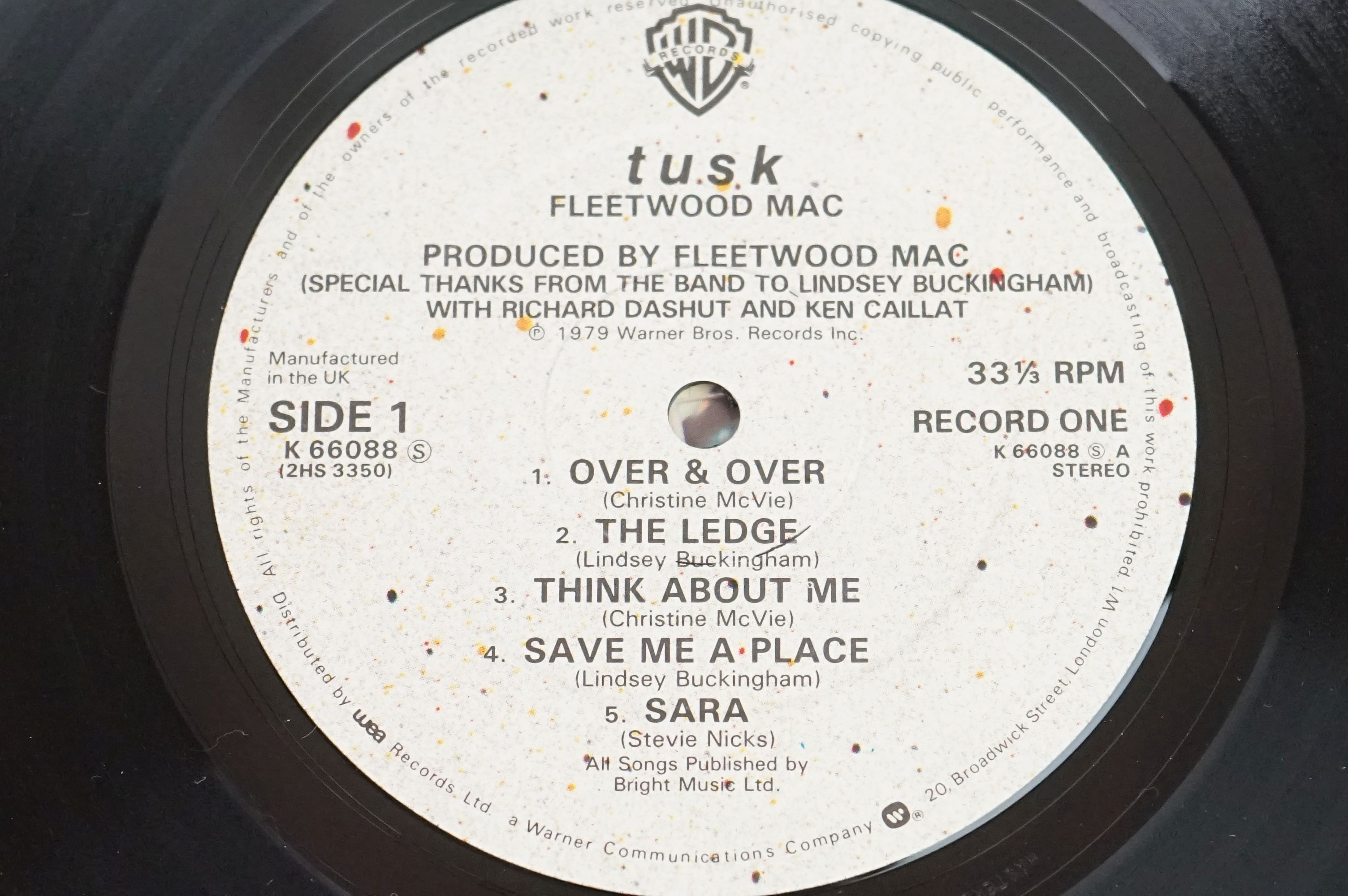 Vinyl - Two Fleetwood Mac LPs to include Tusk (K66088) and Rumours (K56344), sleeves and vinyl vg+ - Image 6 of 7