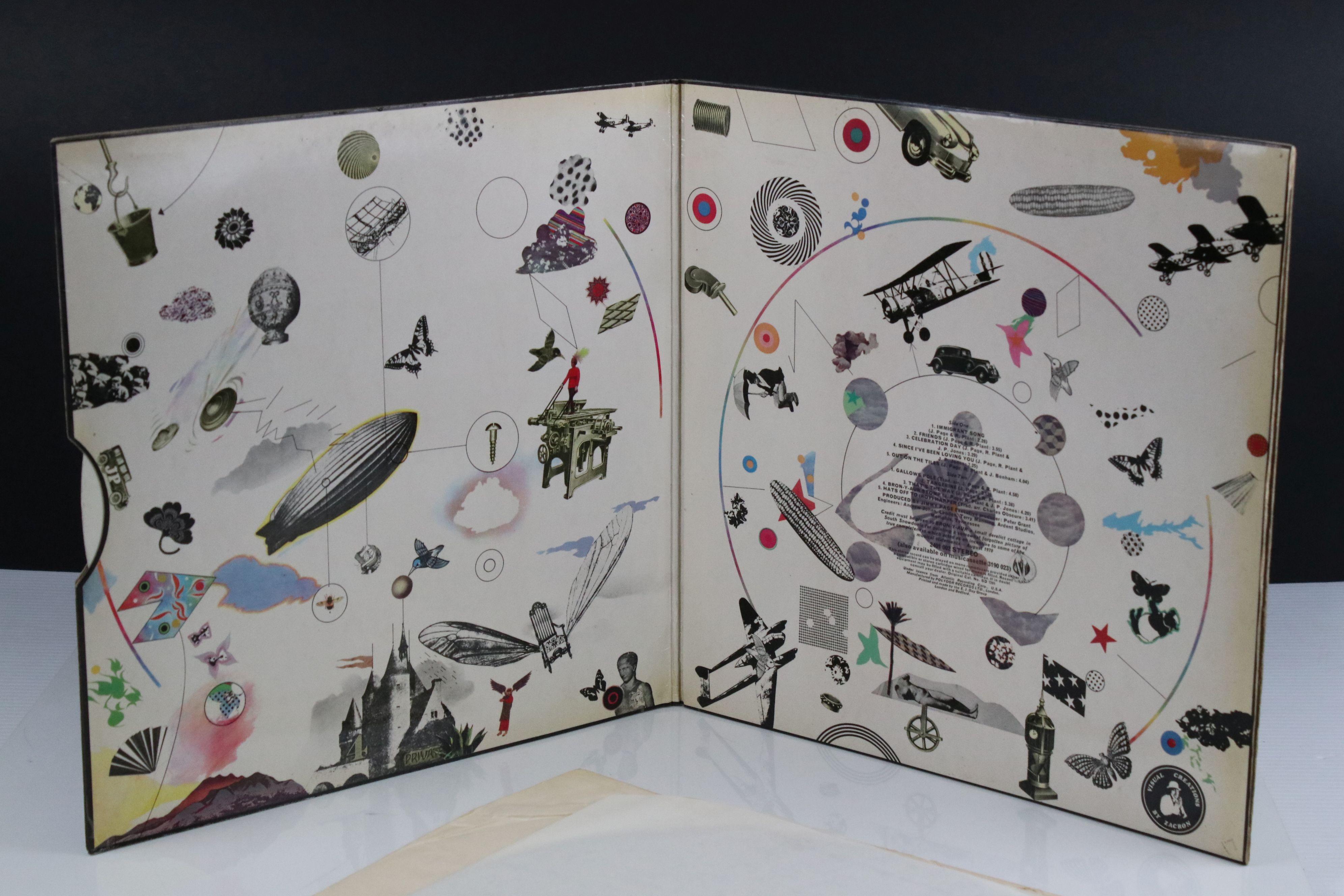 Vinyl - Led Zeppelin III LP on Atlantic Deluxe 2401002 red/maroon label, 1st pressing, sleeve vg - Image 6 of 7