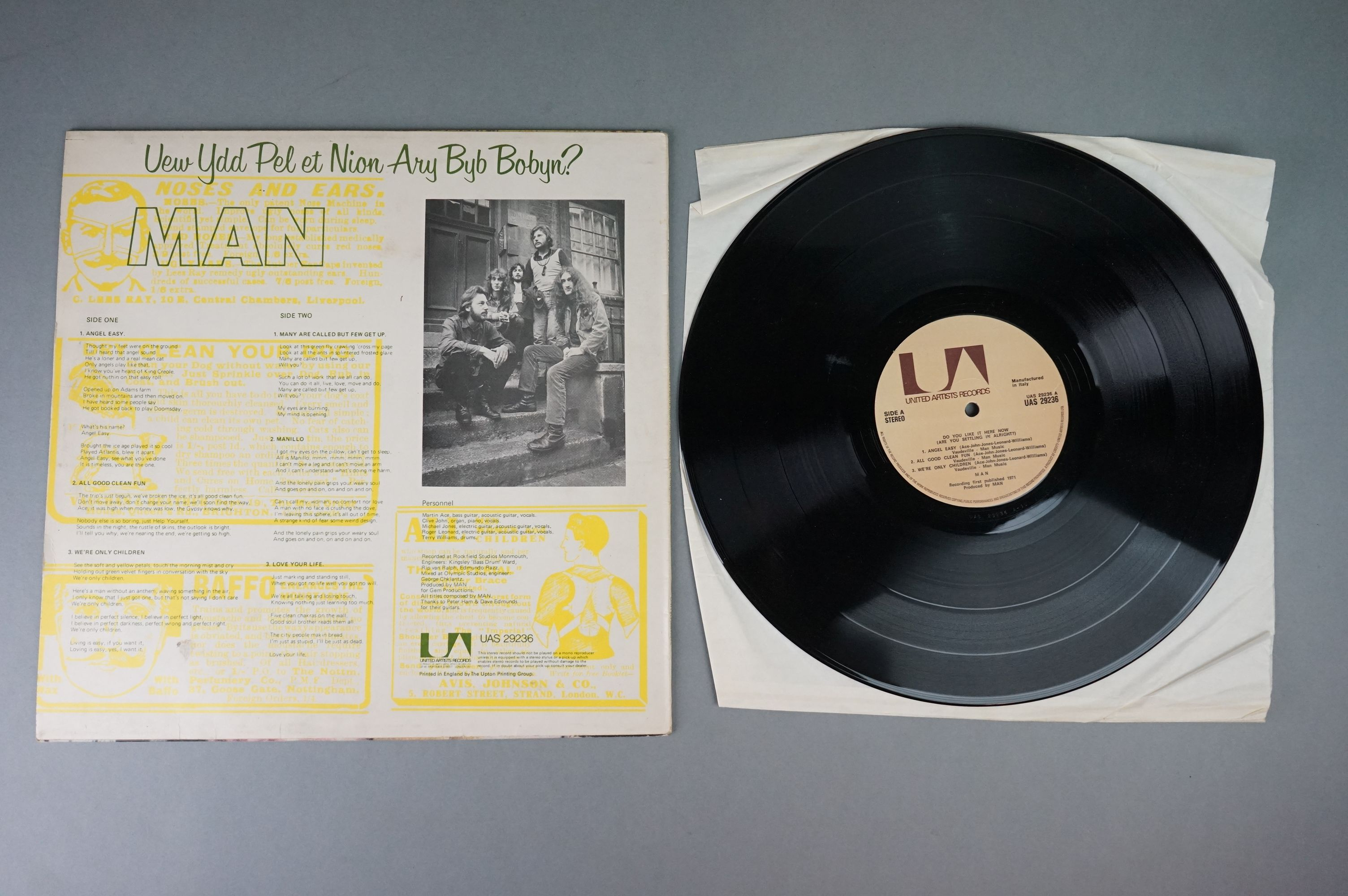 Vinyl - Man 2 LP's to include Slow Motion (UAG 29675) and Do You Like It Here (UAG 29236). Sleeves & - Image 3 of 7