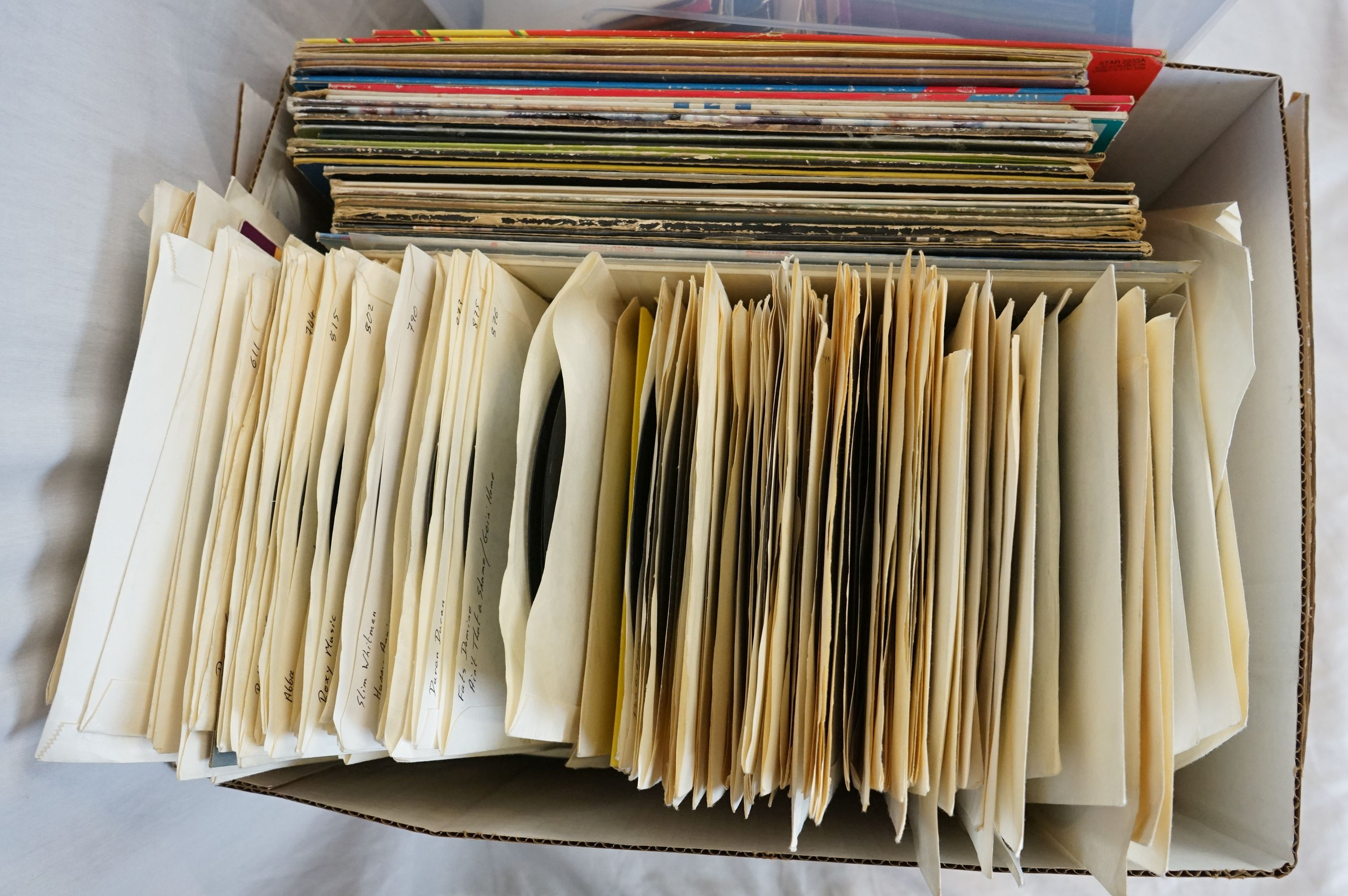 """Vinyl - Approx 300 vinyl 7"""" singles spanning the genres and the decades together with a small - Image 4 of 7"""