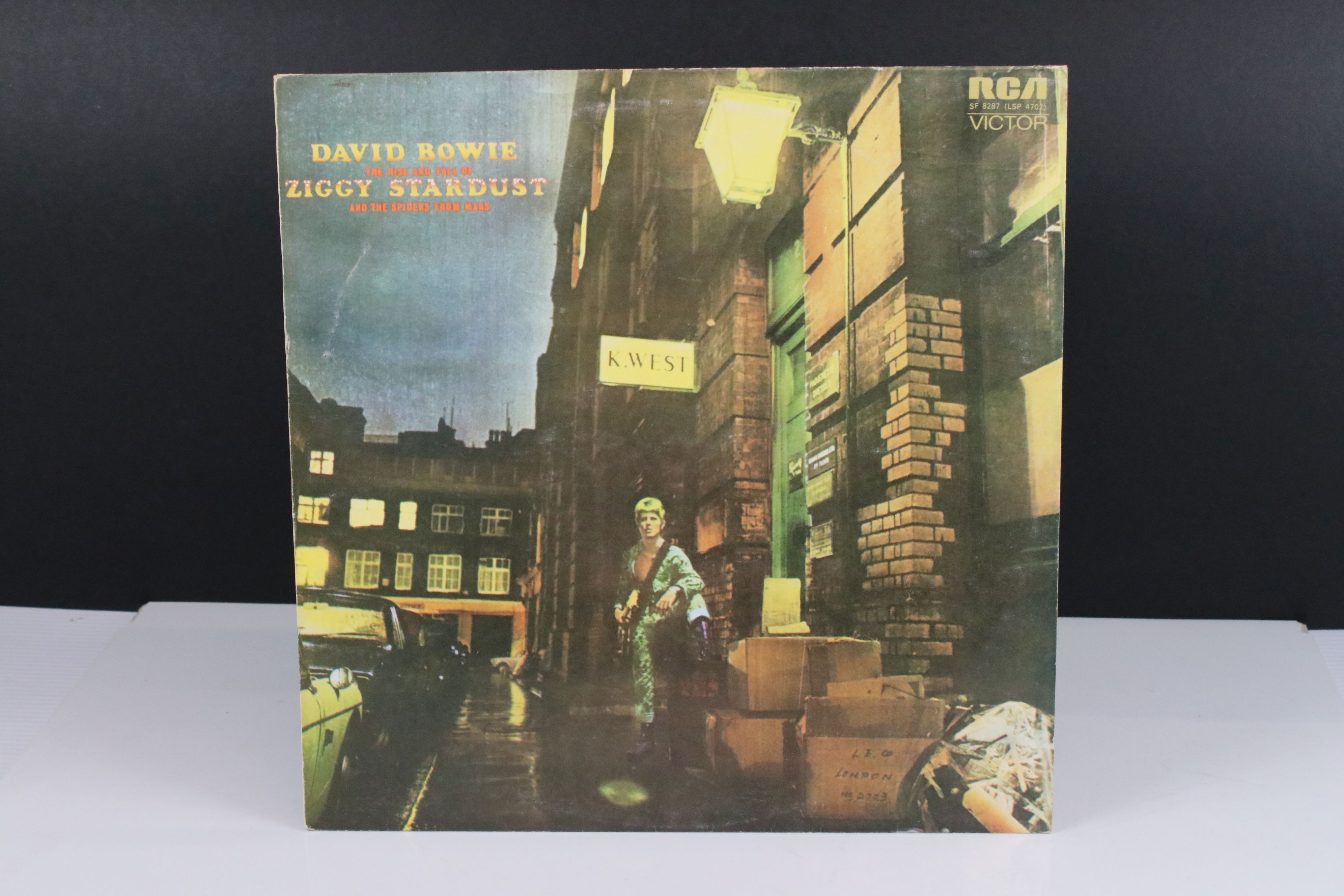 Vinyl - David Bowie The Rise and Fall of Ziggy Stardust LP on RCA8287, shiny orange RCA label, - Image 6 of 7