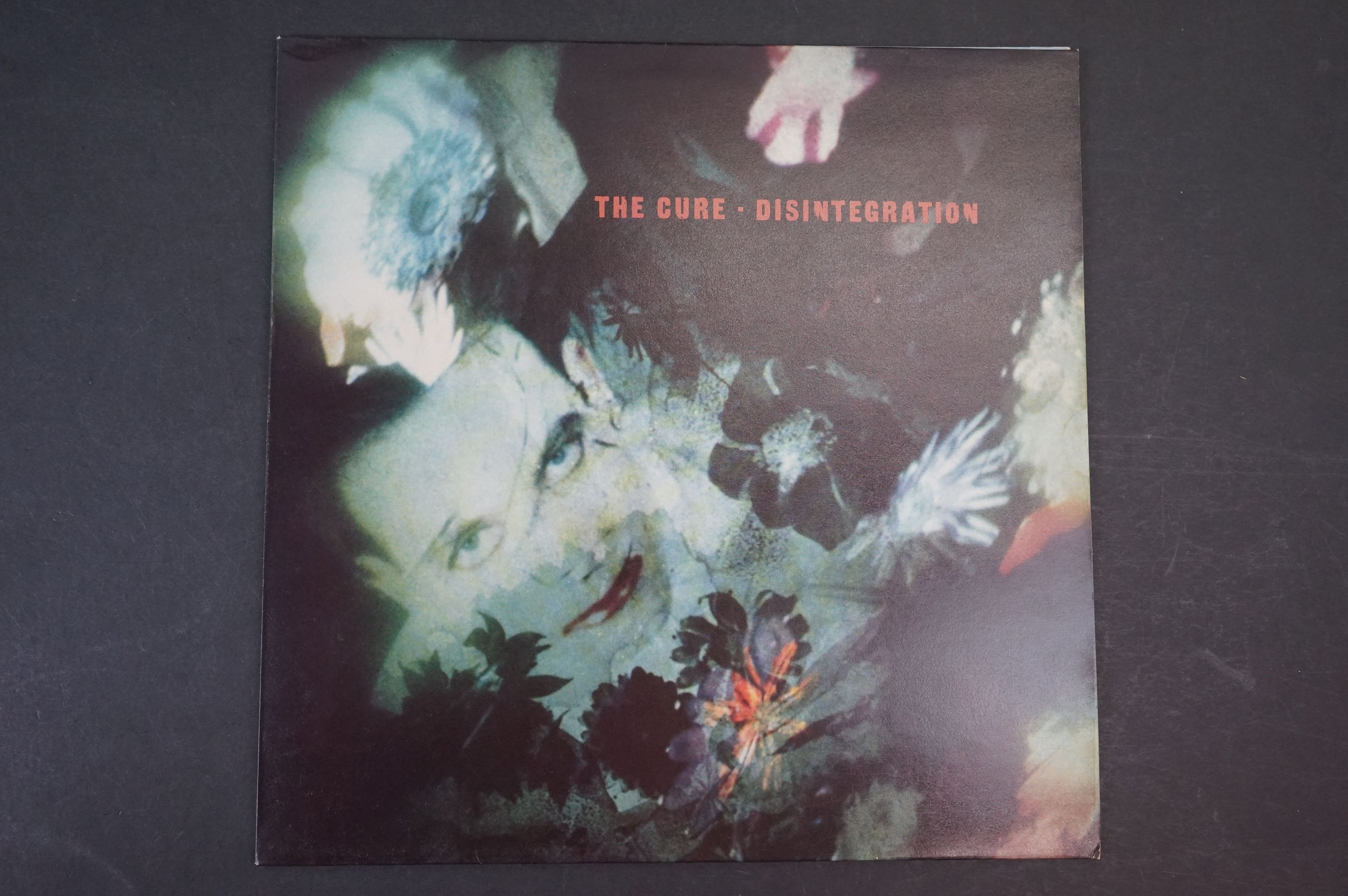 Vinyl - The Cure Disintegration LP on Fiction Records FIXH14 with inner, vg+ with light marks
