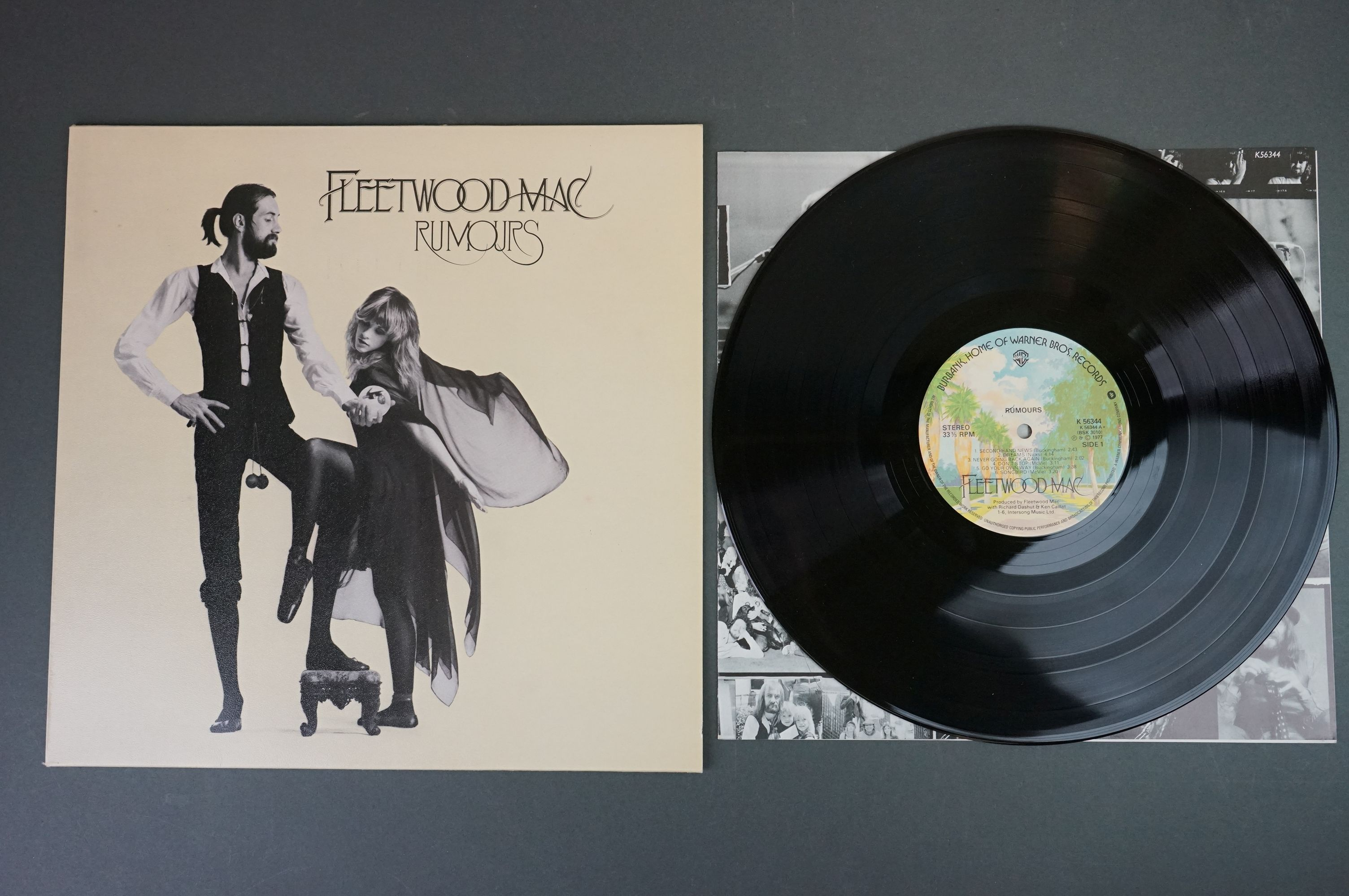 Vinyl - Two Fleetwood Mac LPs to include Tusk (K66088) and Rumours (K56344), sleeves and vinyl vg+ - Image 2 of 7