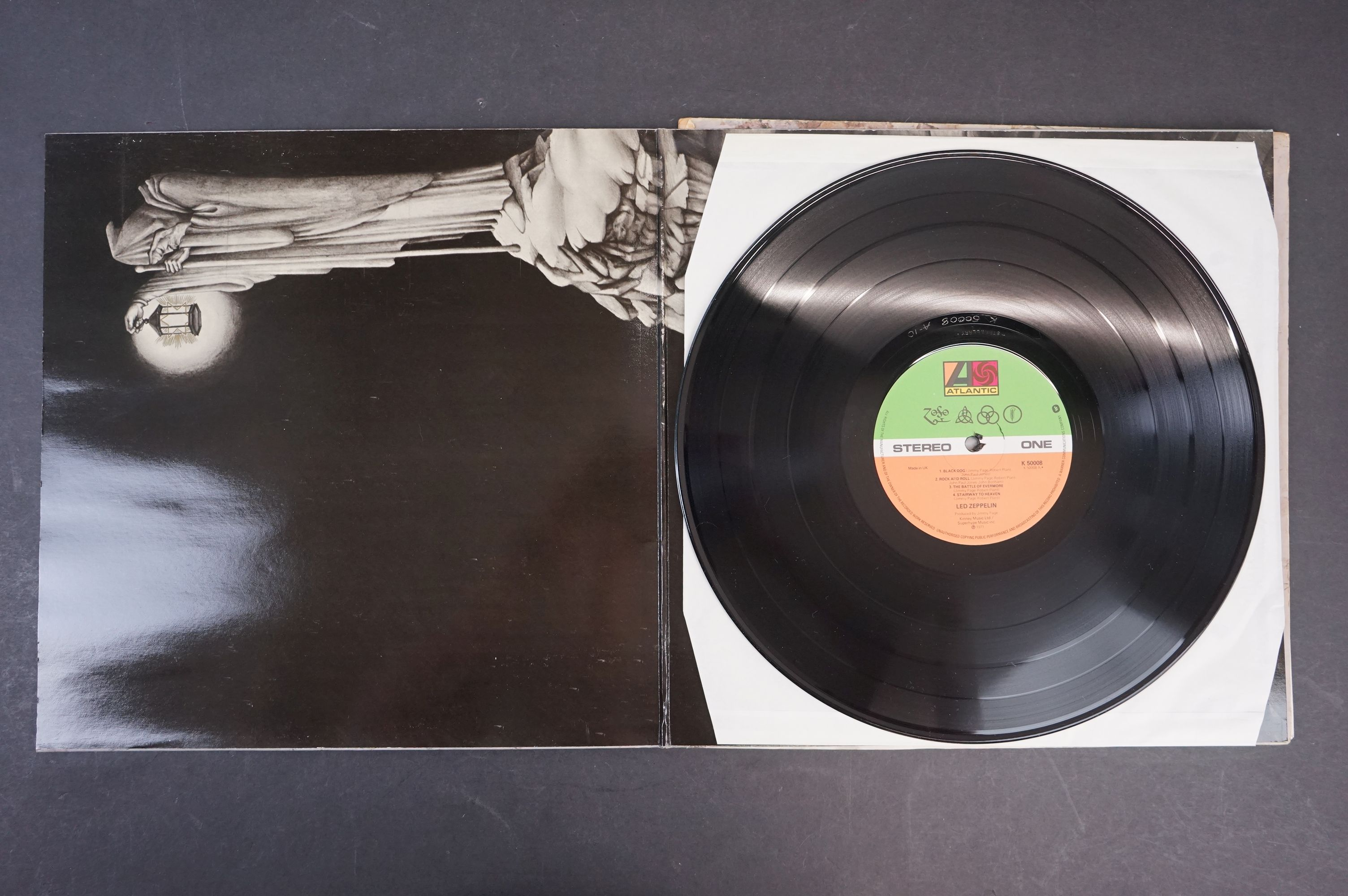 Vinyl - Six Led Zeppelin LPs to include In Through the Outdoor (cover D) SSK59410, Coda 790051, 2 - Image 11 of 17