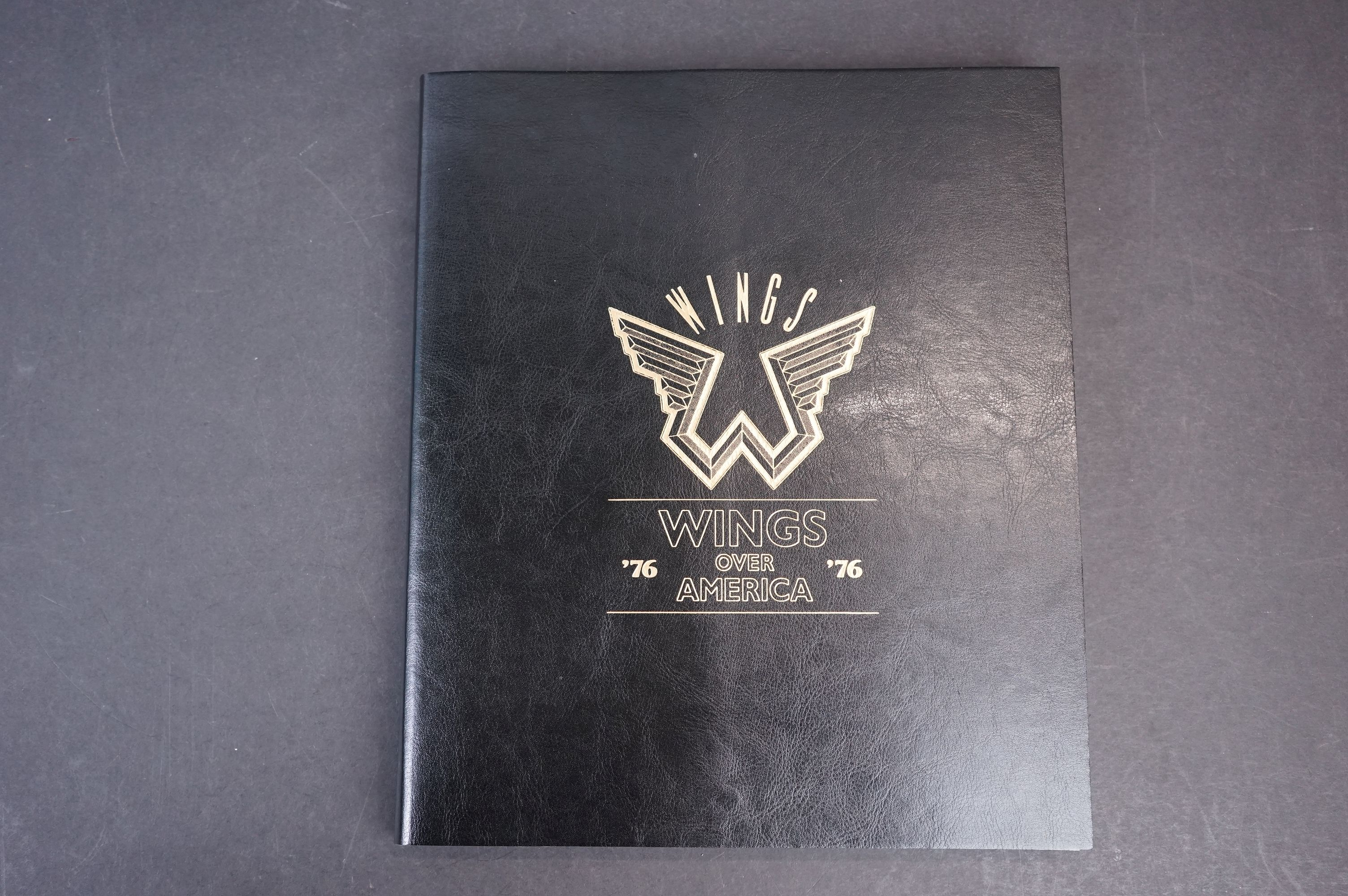 Box Set - Paul McCartney & Wings - Wings Over America numbered box set (03555) deluxe box set, ex - Image 2 of 18