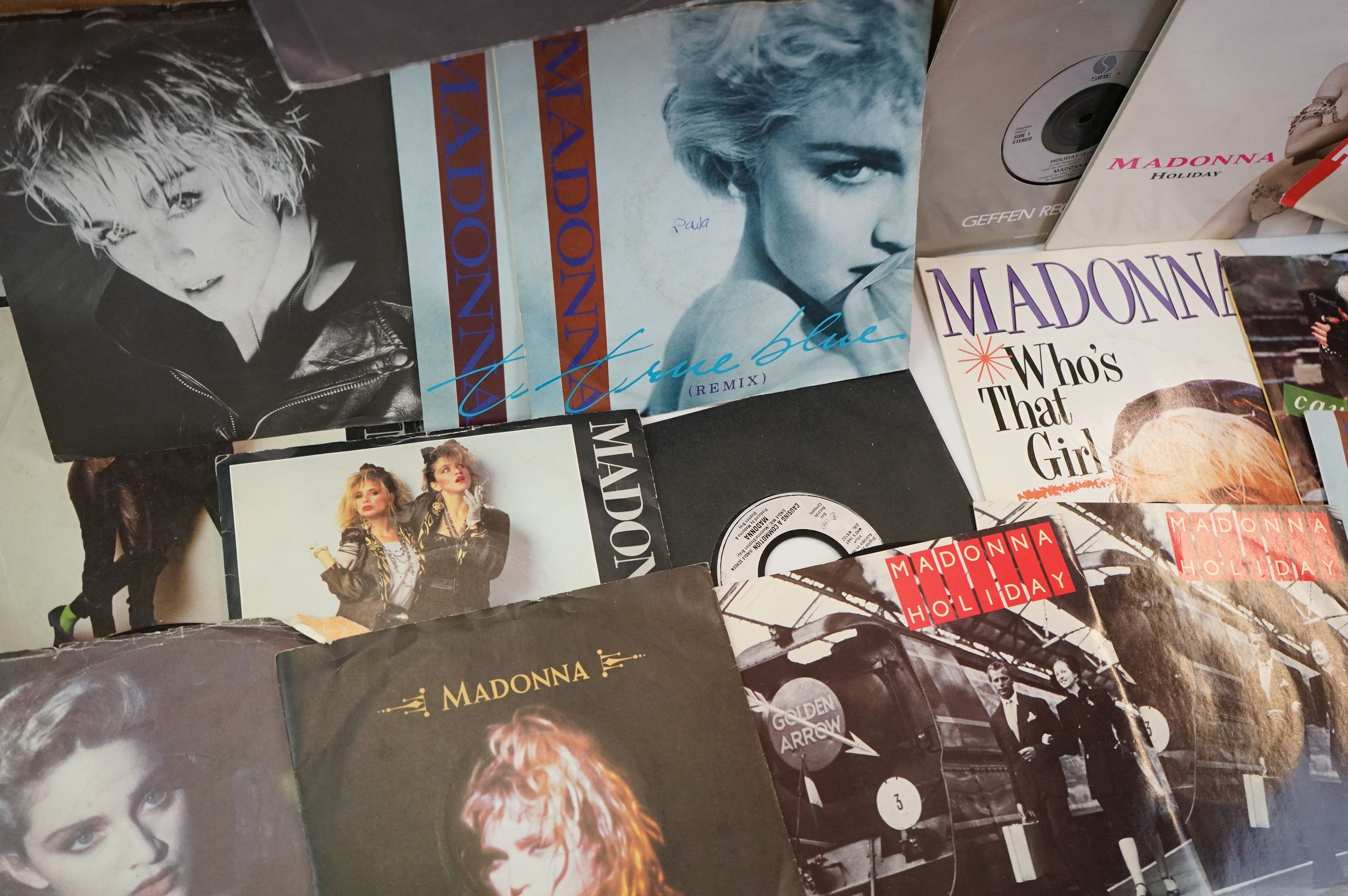 """Vinyl - Approx 200 vinyl 7"""" singles spanning the decades and the genres, picture sleeves, company - Image 5 of 5"""