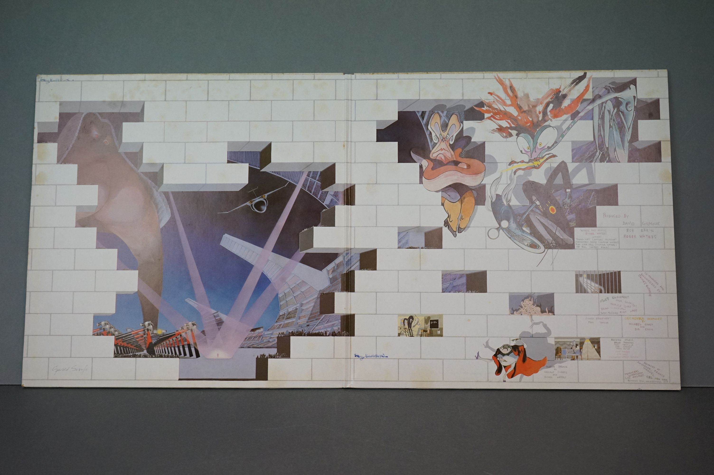 Vinyl - Pink Floyd The Wall 1A1S863410 Dutch pressing, mismatched inners, side 1 & 2 UK rounded - Image 2 of 3