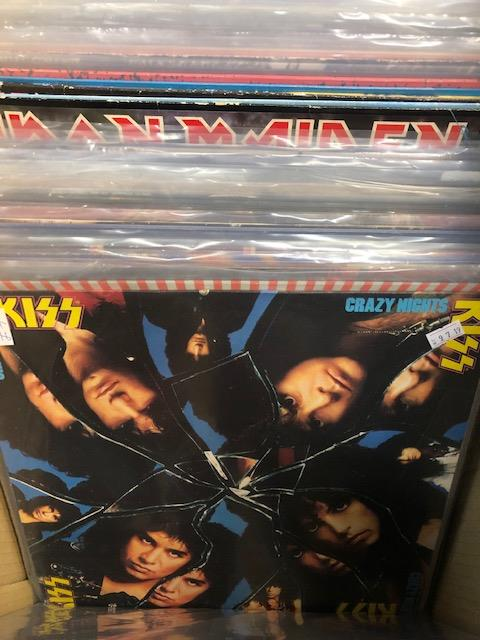 Vinyl - Approx 65 Rock & Metal LP's featuring KISS, Queen, Black Widow, Iron Maiden, AC/DC and more - Image 5 of 27