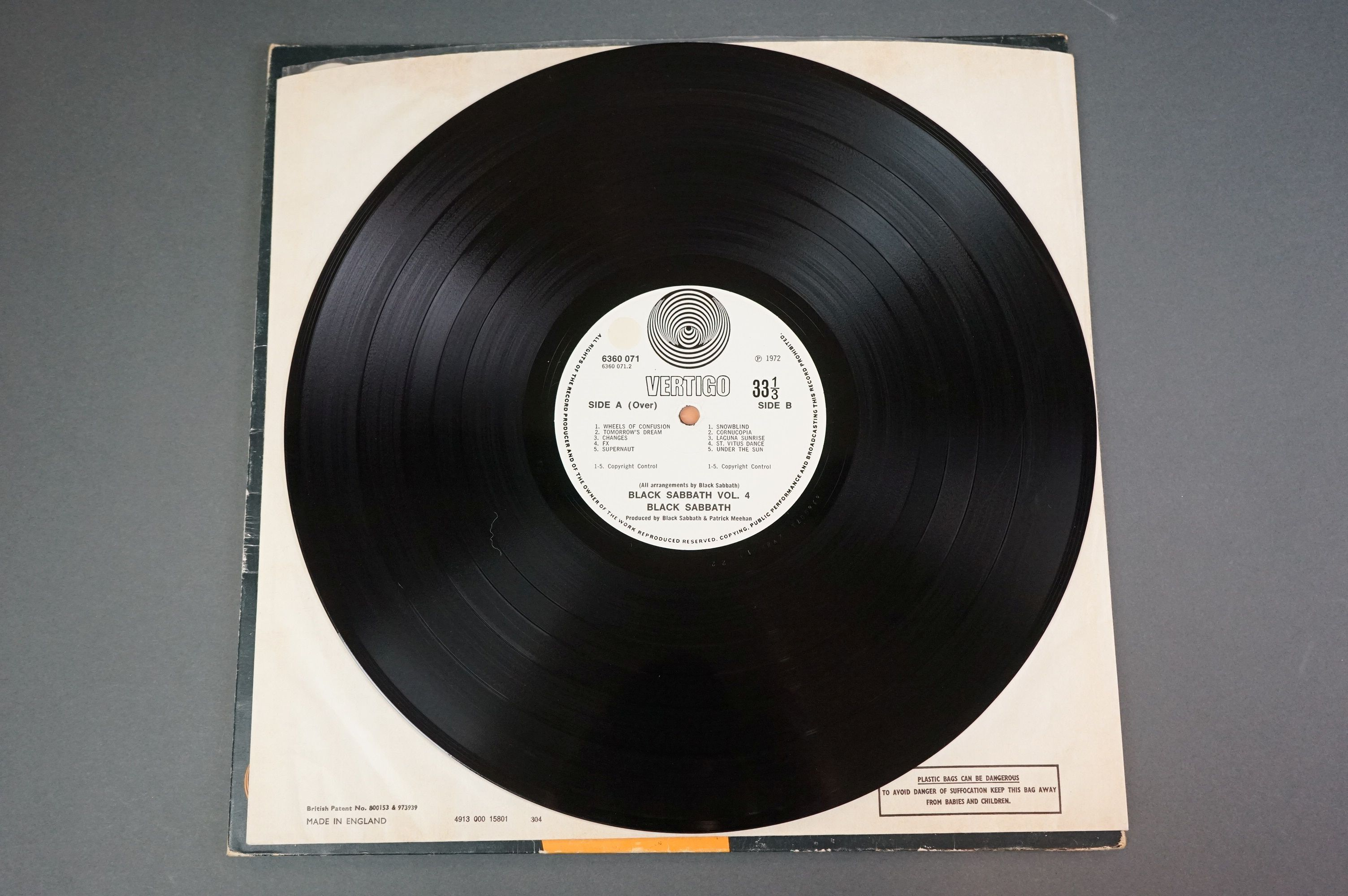 Vinyl - Black Sabbath vol 4 6360071 on Vertigo 1st pressing, no 'made in England' to label, gatefold - Image 5 of 6