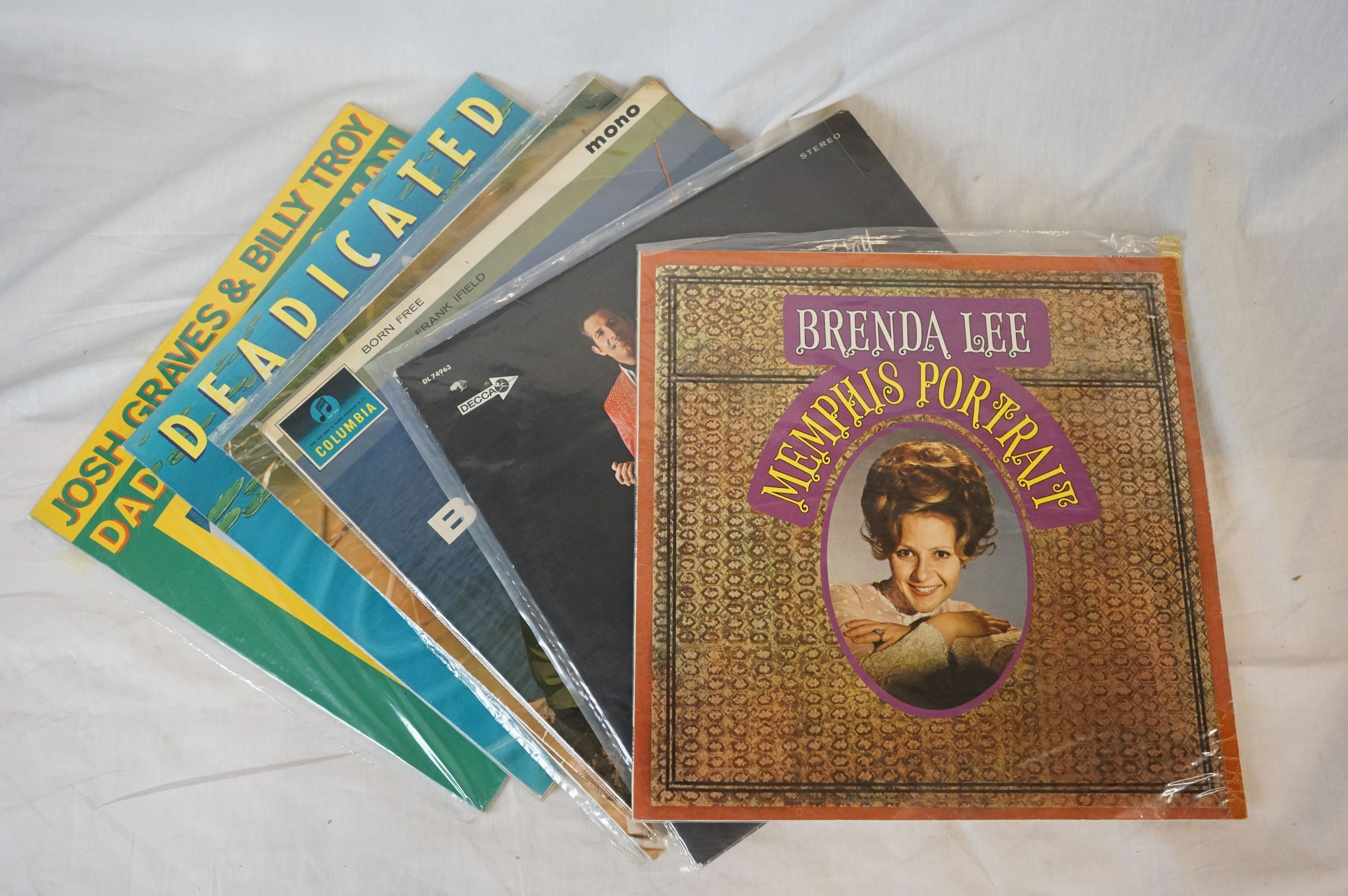 Vinyl - Over 100 LP's spanning genres and decades including lots of country artists. Condition - Image 3 of 3