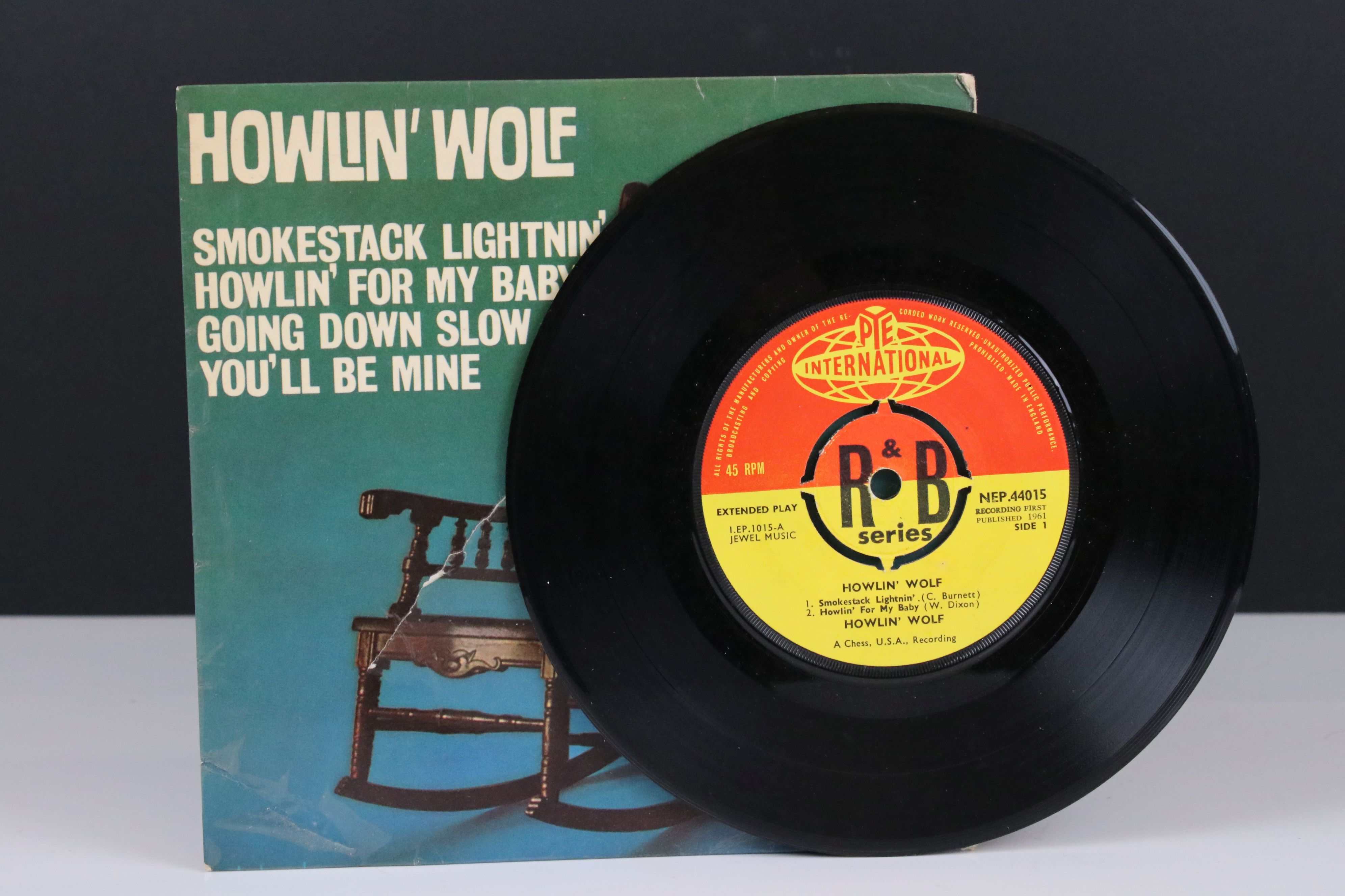 Vinyl - Howlin' Wolf Self Titled EP (NEP 44015) on Pye International. Sleeve G with 15cm tear to