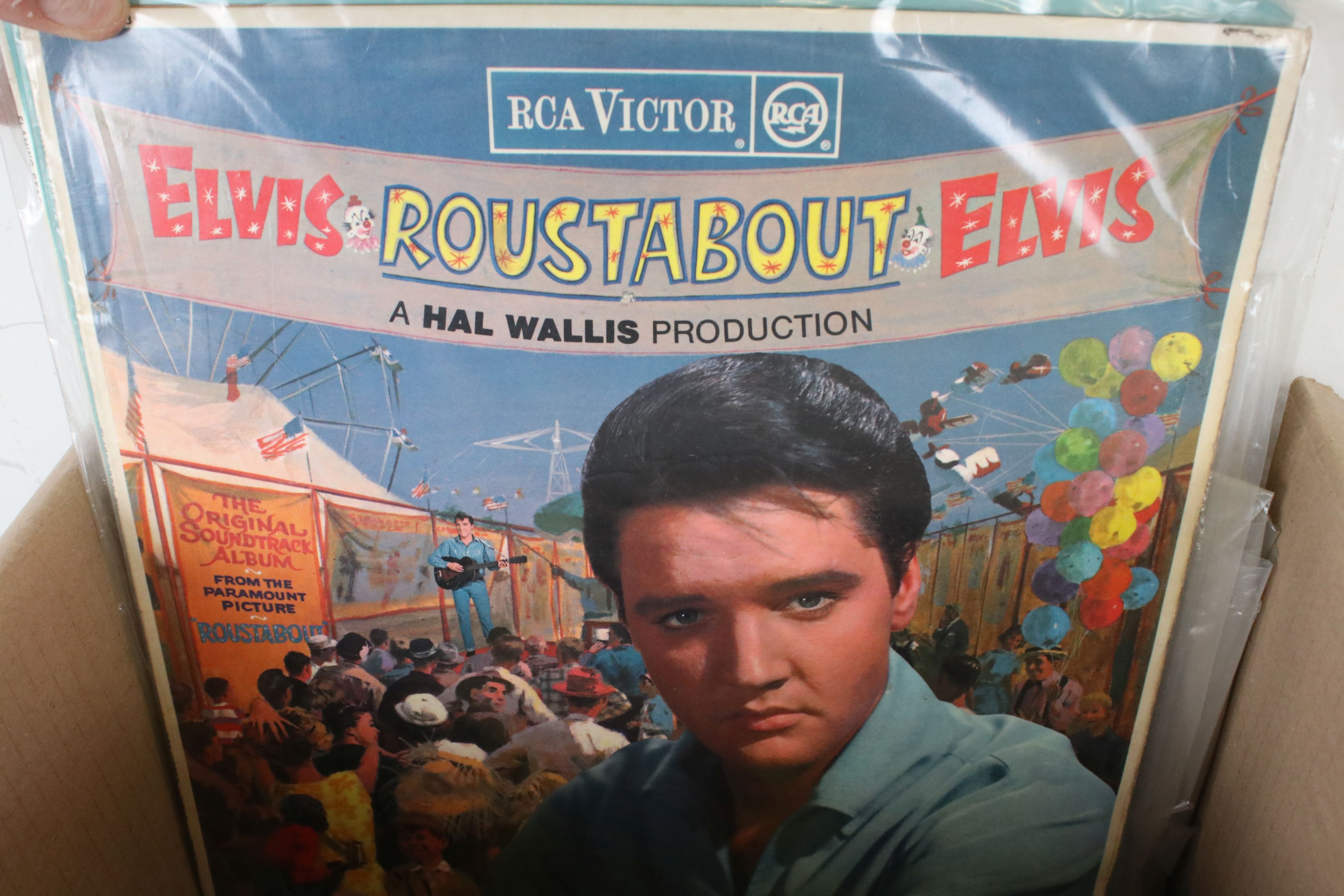 Vinyl - Collection of approx 50 Elvis LP's spanning his career. Condition varies but overall VG+ - Image 7 of 7