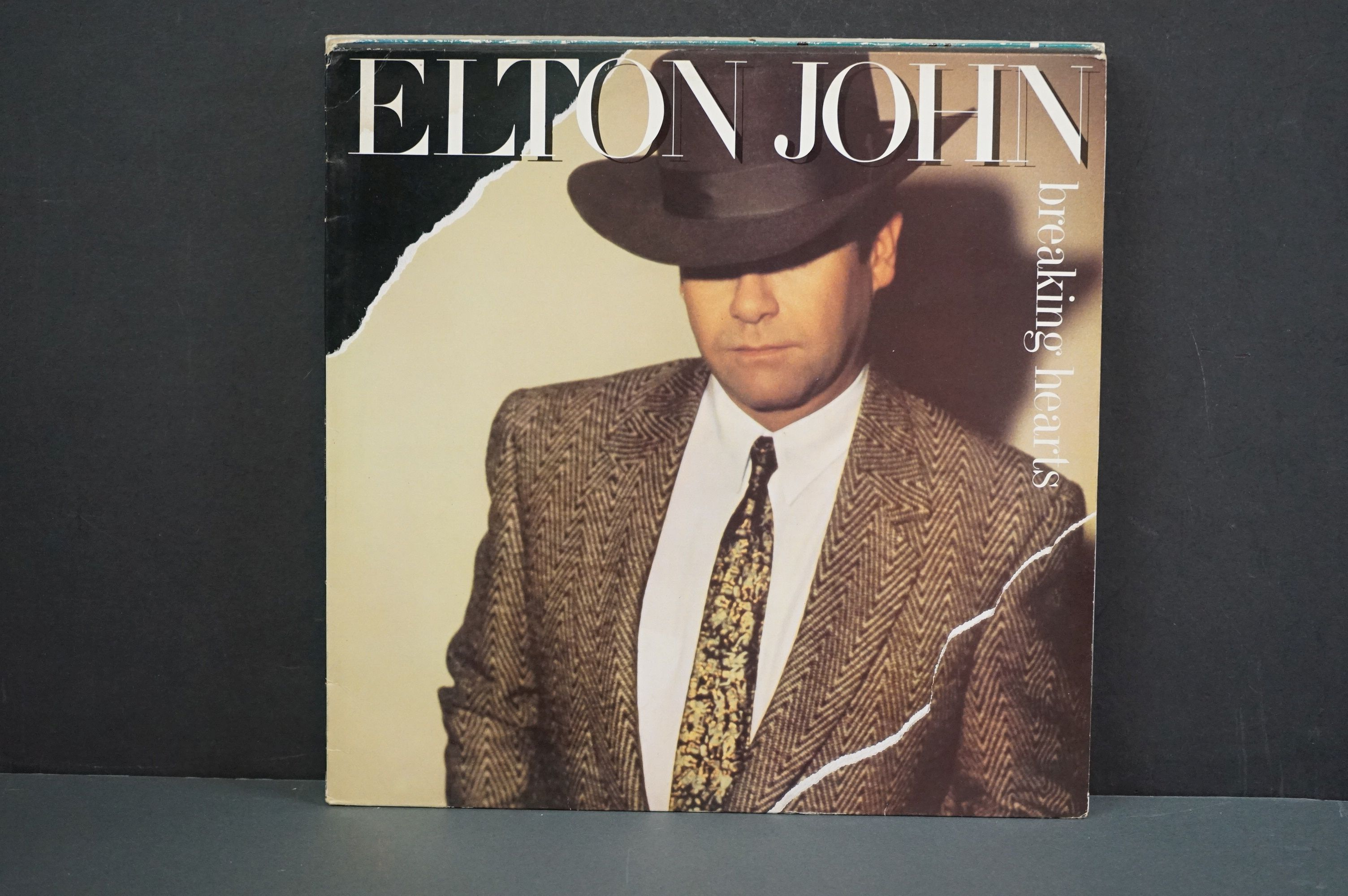 Vinyl - 16 Elton John LPs to include A Single Man, Blue Moves, Greatest Hits, Goodbye Yellow Brick - Image 12 of 16