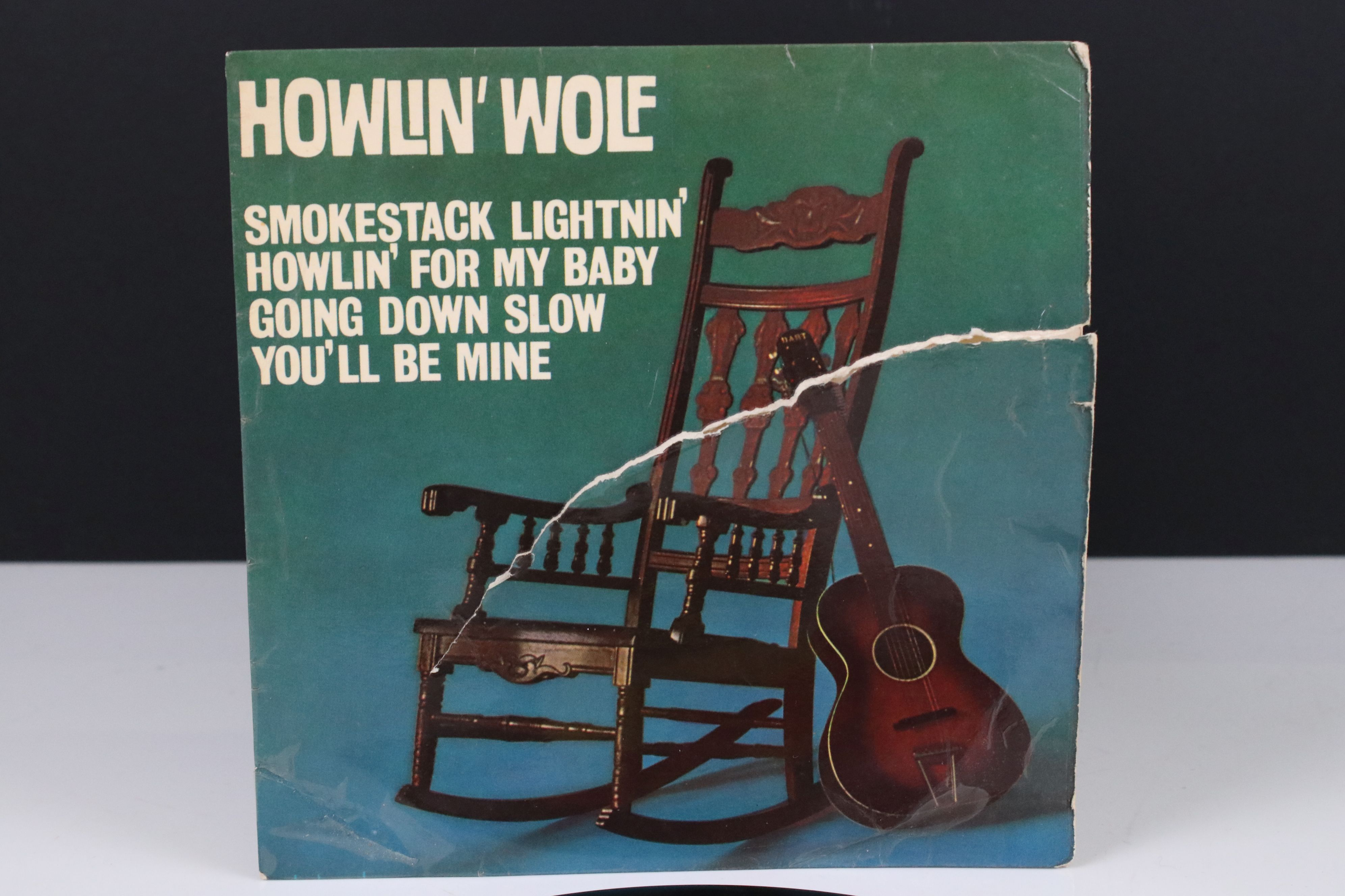 Vinyl - Howlin' Wolf Self Titled EP (NEP 44015) on Pye International. Sleeve G with 15cm tear to - Image 2 of 4