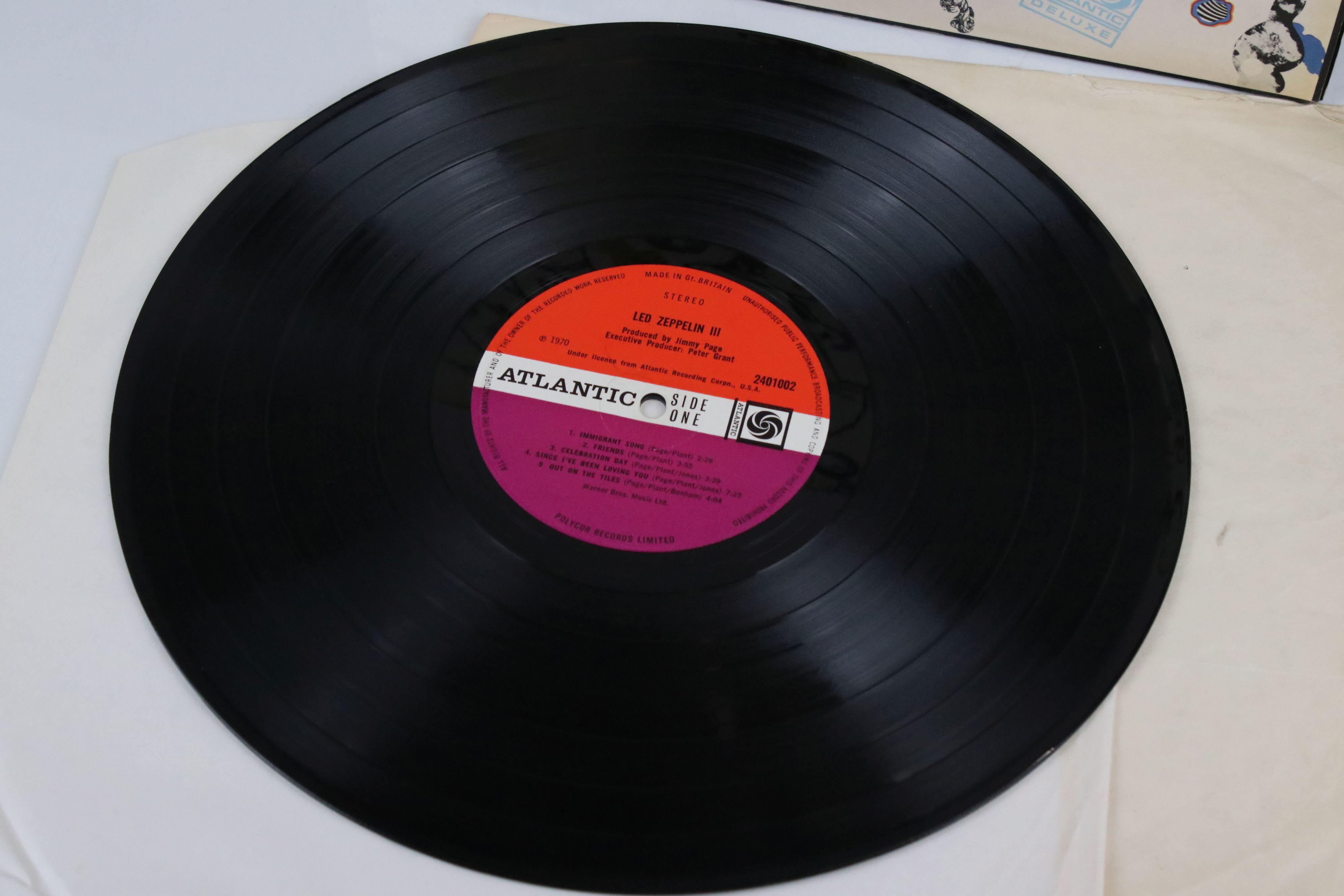Vinyl - Led Zeppelin III LP on Atlantic Deluxe 2401002 red/maroon label, 1st pressing, sleeve vg - Image 2 of 7