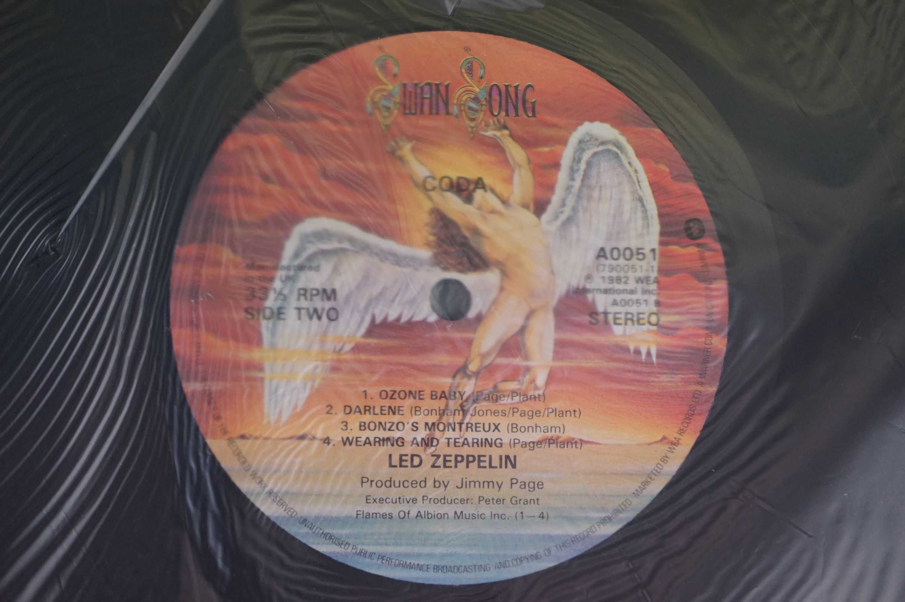 Vinyl - Six Led Zeppelin LPs to include In Through the Outdoor (cover D) SSK59410, Coda 790051, 2 - Image 8 of 17