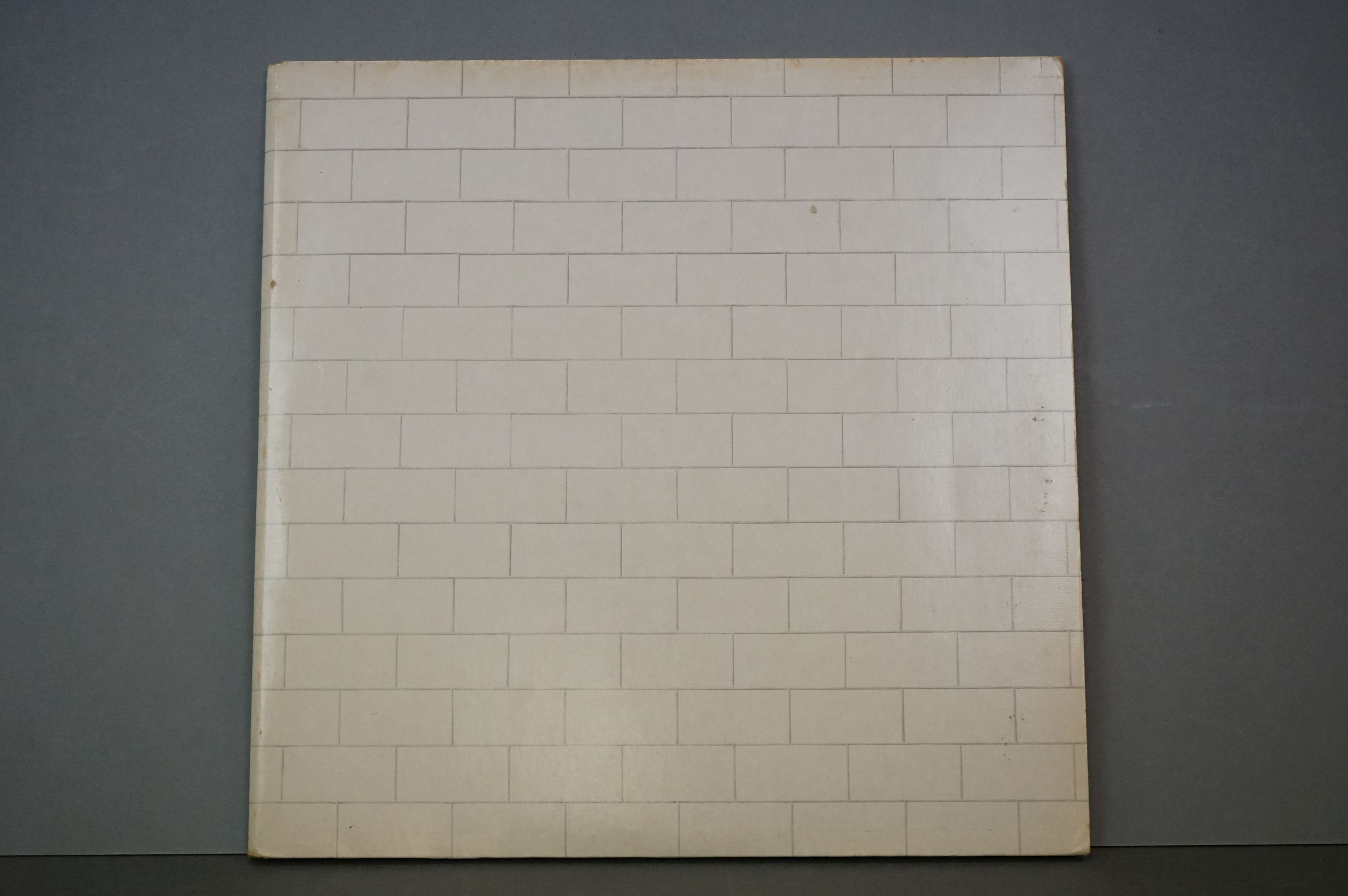 Vinyl - Pink Floyd The Wall 1A1S863410 Dutch pressing, mismatched inners, side 1 & 2 UK rounded