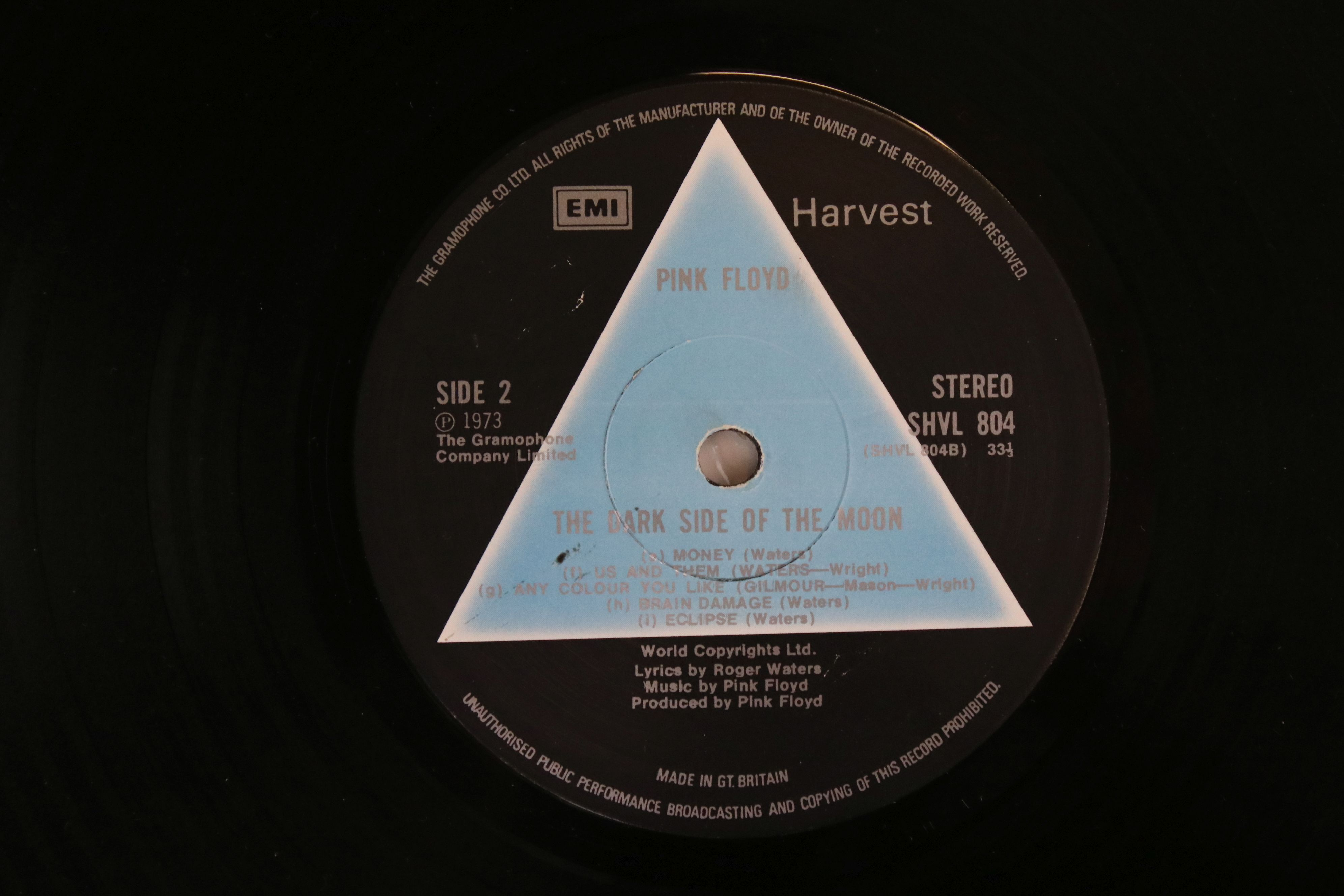 Vinyl - Pink Floyd Dark Side of The Moon LP on Harvest SHVL804 Stereo, solid light blue triangle, no - Image 3 of 6