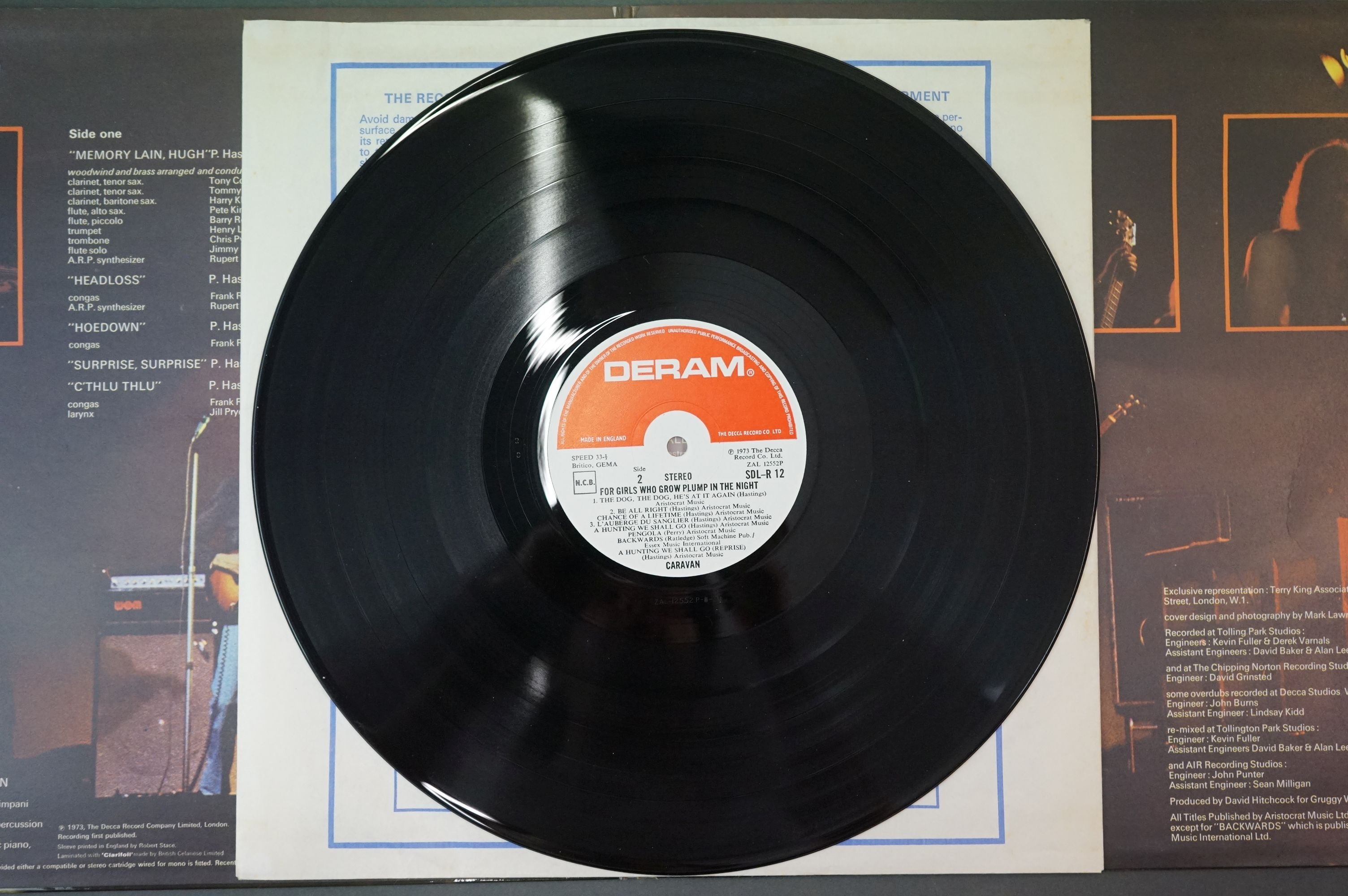 Vinyl - Caravan, For Girls Who Grow Plump in the Night LP on Deram SDLR12 red/white label, - Image 3 of 6