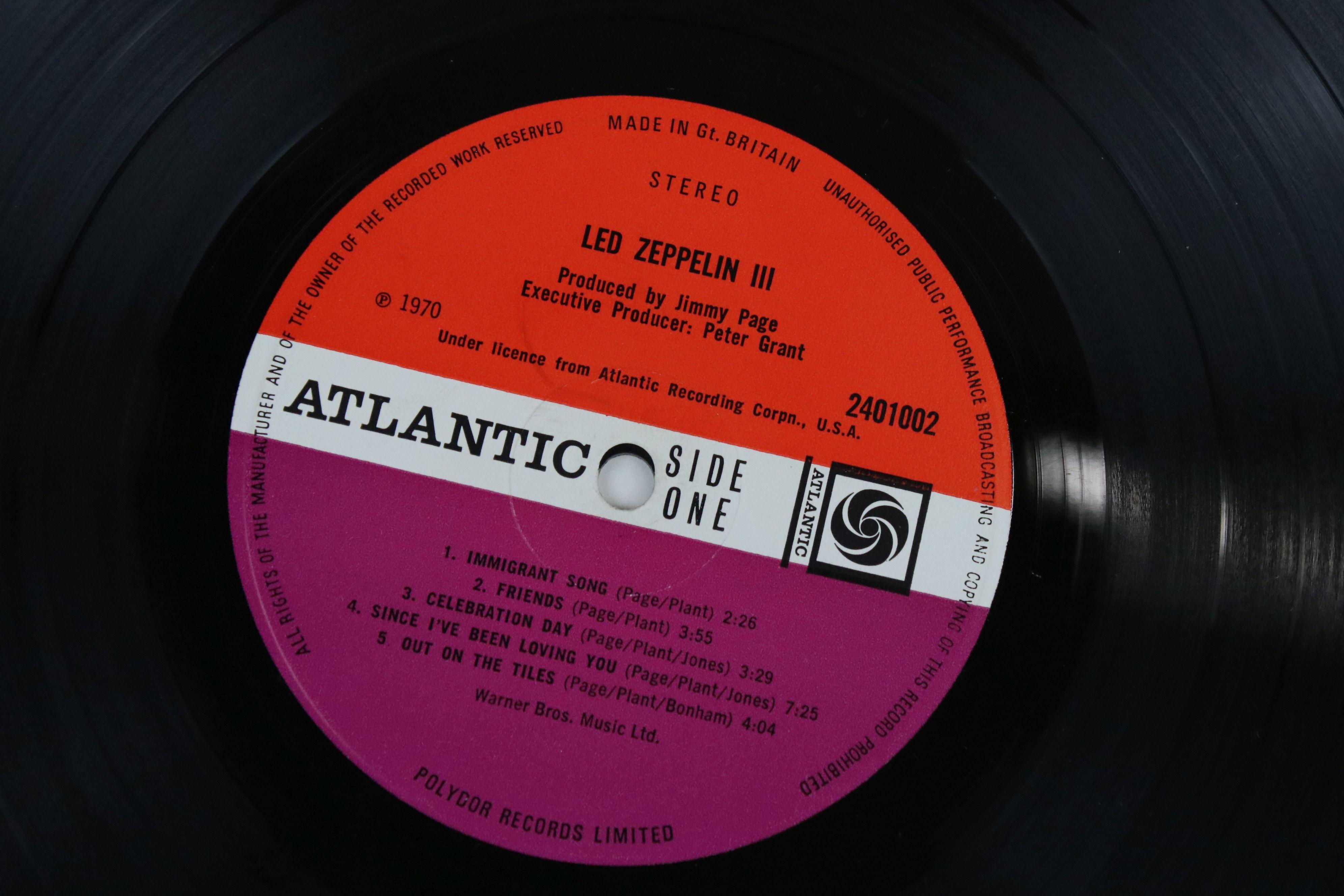 Vinyl - Led Zeppelin III LP on Atlantic Deluxe 2401002 red/maroon label, 1st pressing, sleeve vg - Image 3 of 7