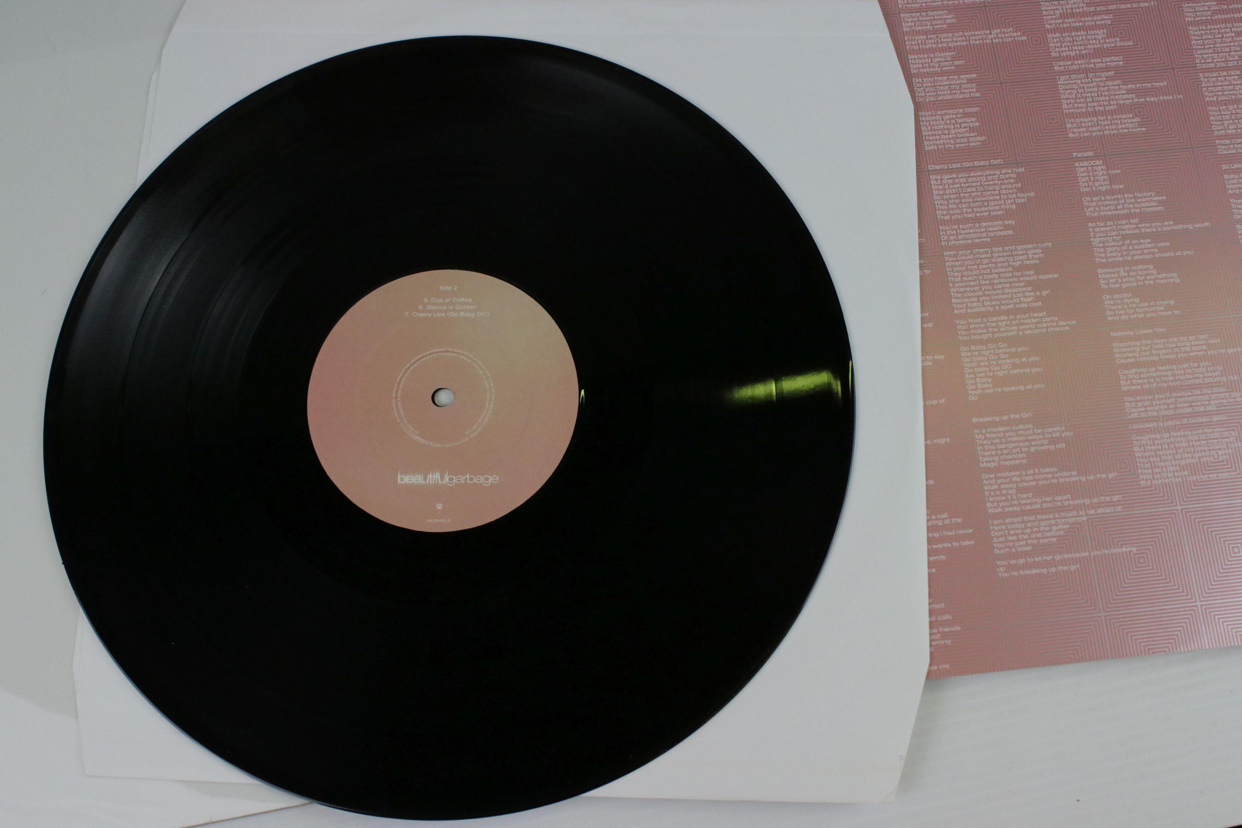 Vinyl - Garbage Beautiful Garbage Double LP on Mushroom MUSH95LP, with lyric inner, sleeve vg++, - Image 4 of 6