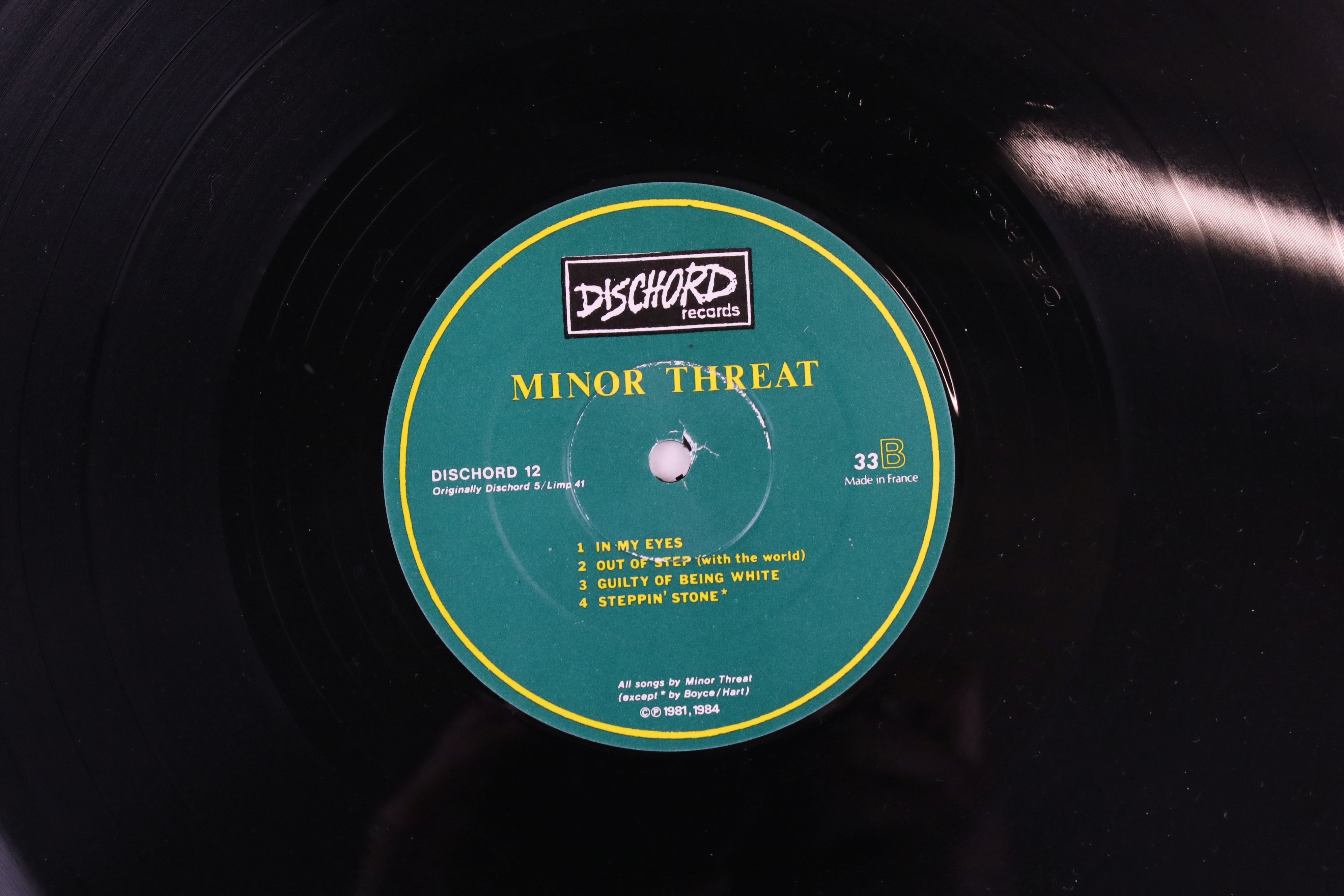 Vinyl - Two Minor Threat LPs to include Out of Step on Dischord No 10 and self titled No 13, both ex - Image 3 of 7