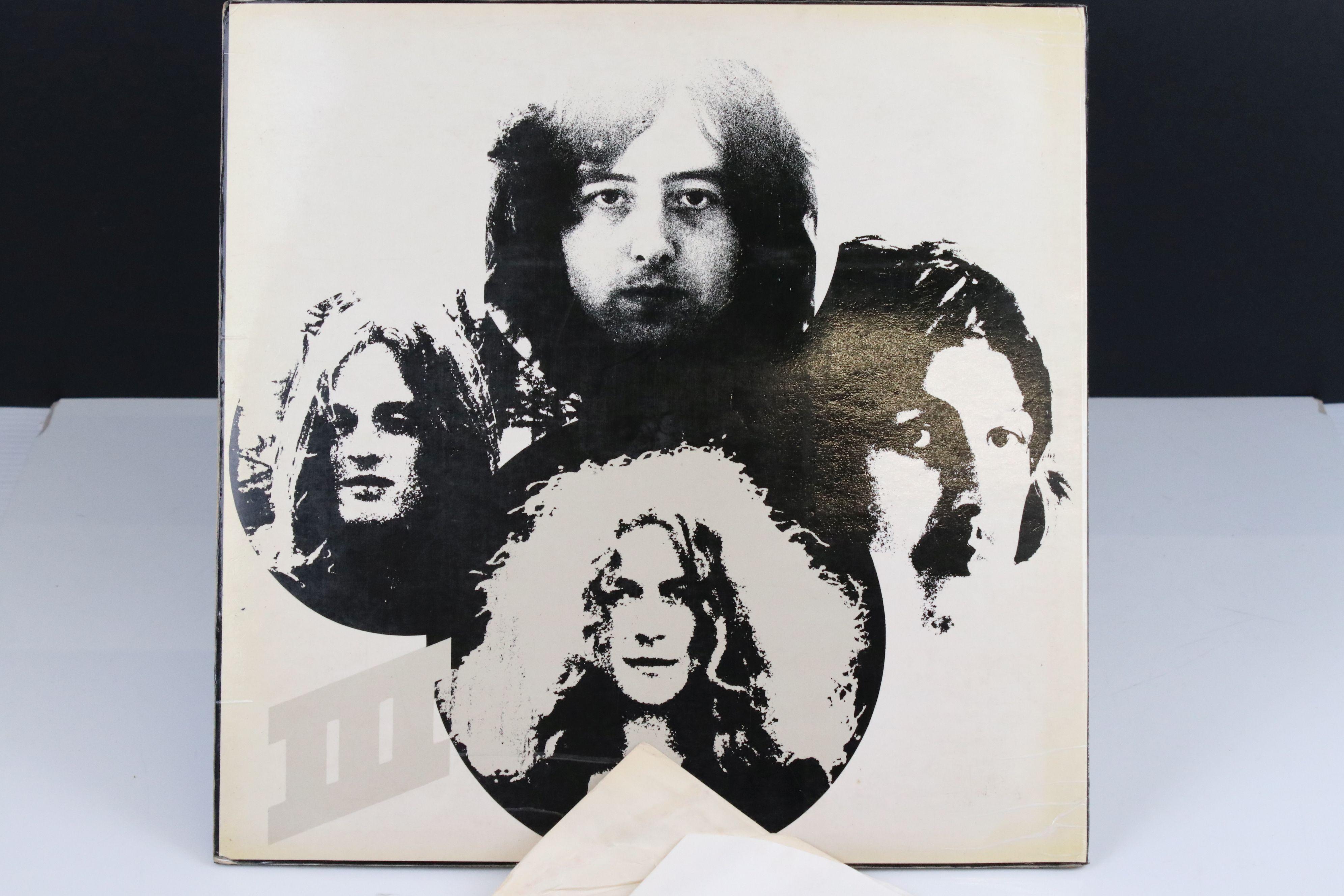 Vinyl - Led Zeppelin III LP on Atlantic Deluxe 2401002 red/maroon label, 1st pressing, sleeve vg - Image 7 of 7