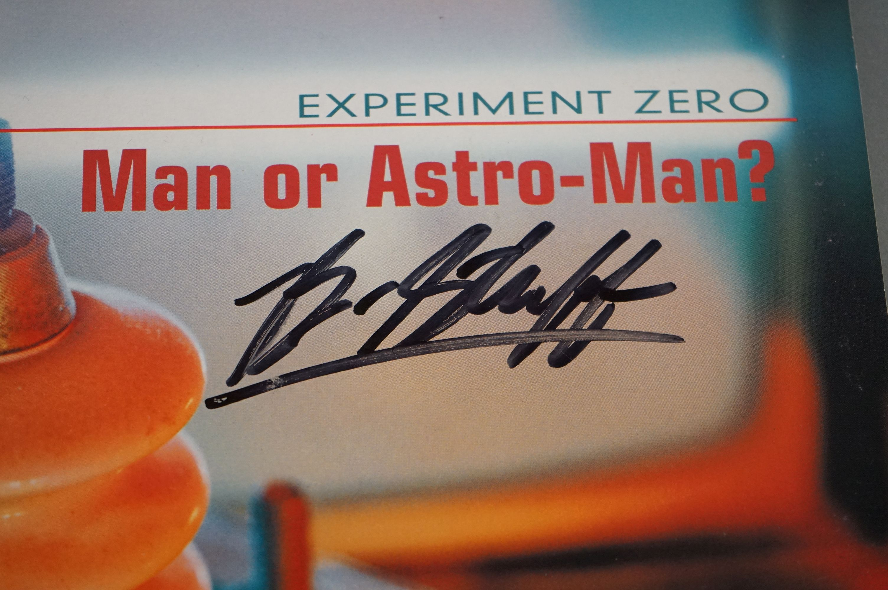 Signed Vinyl - Man Or Astro Man? Experiment Zero LP on Louder 12, yellow vinyl, some damage to - Image 3 of 9
