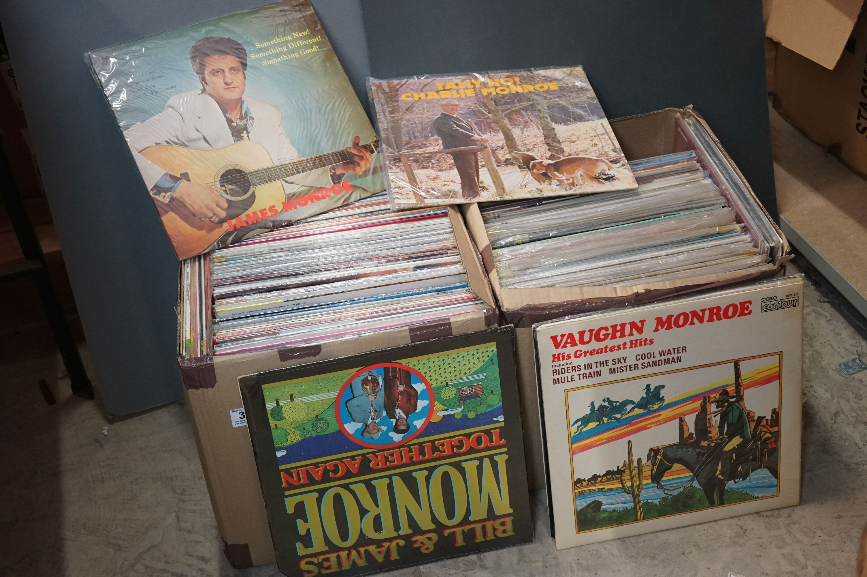 Vinyl - Over 200 LPs featuring Country and other genres, sleeves and vinyl vg+ (two boxes)
