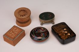 A paper mâché lacquer ware snuff box together with a moss agate trinket boxer cloisonné box and
