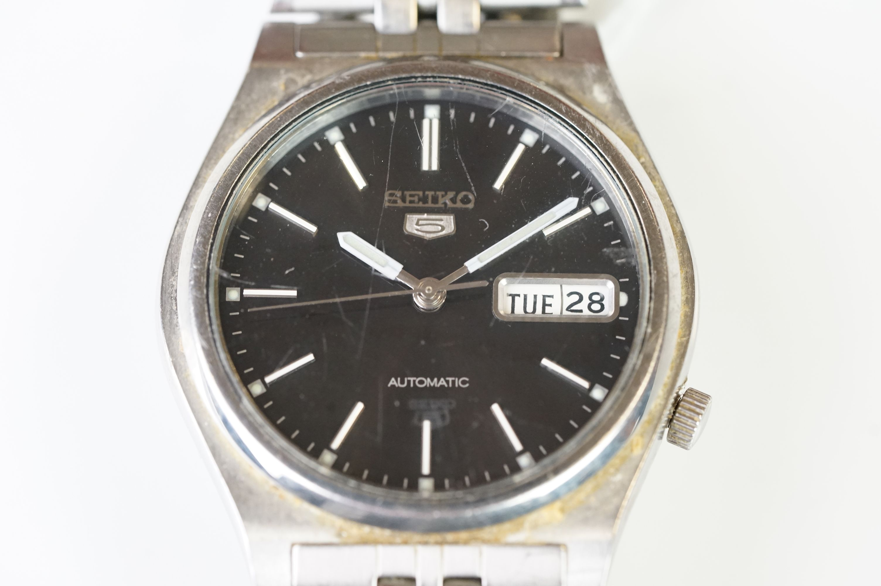 Two vintage Seiko 5 day / date automatic watches. - Image 9 of 15
