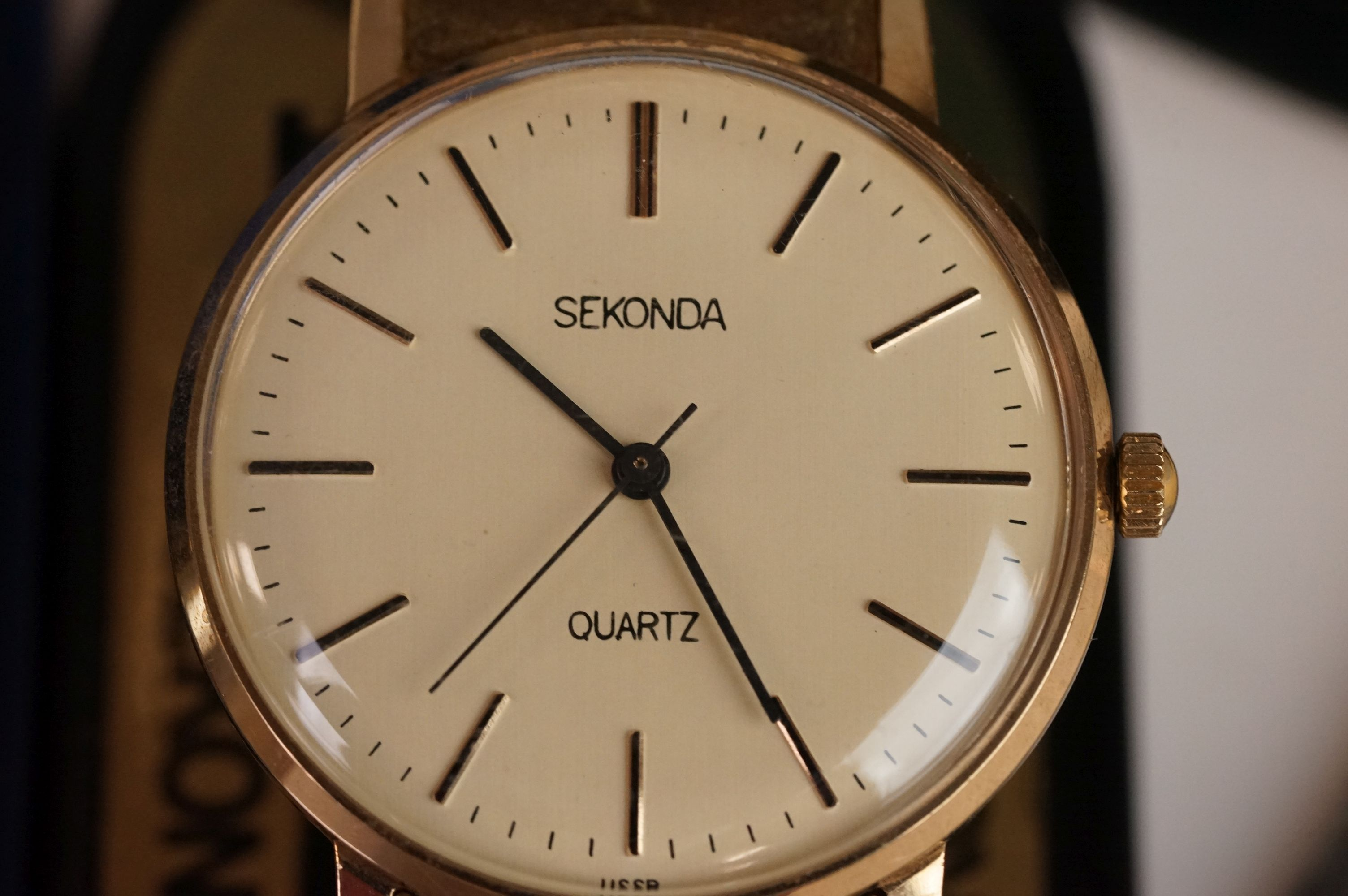 A boxed Seiko SQ gents day / date quartz wristwatch together with another Seiko and a Sekonda. - Image 4 of 8