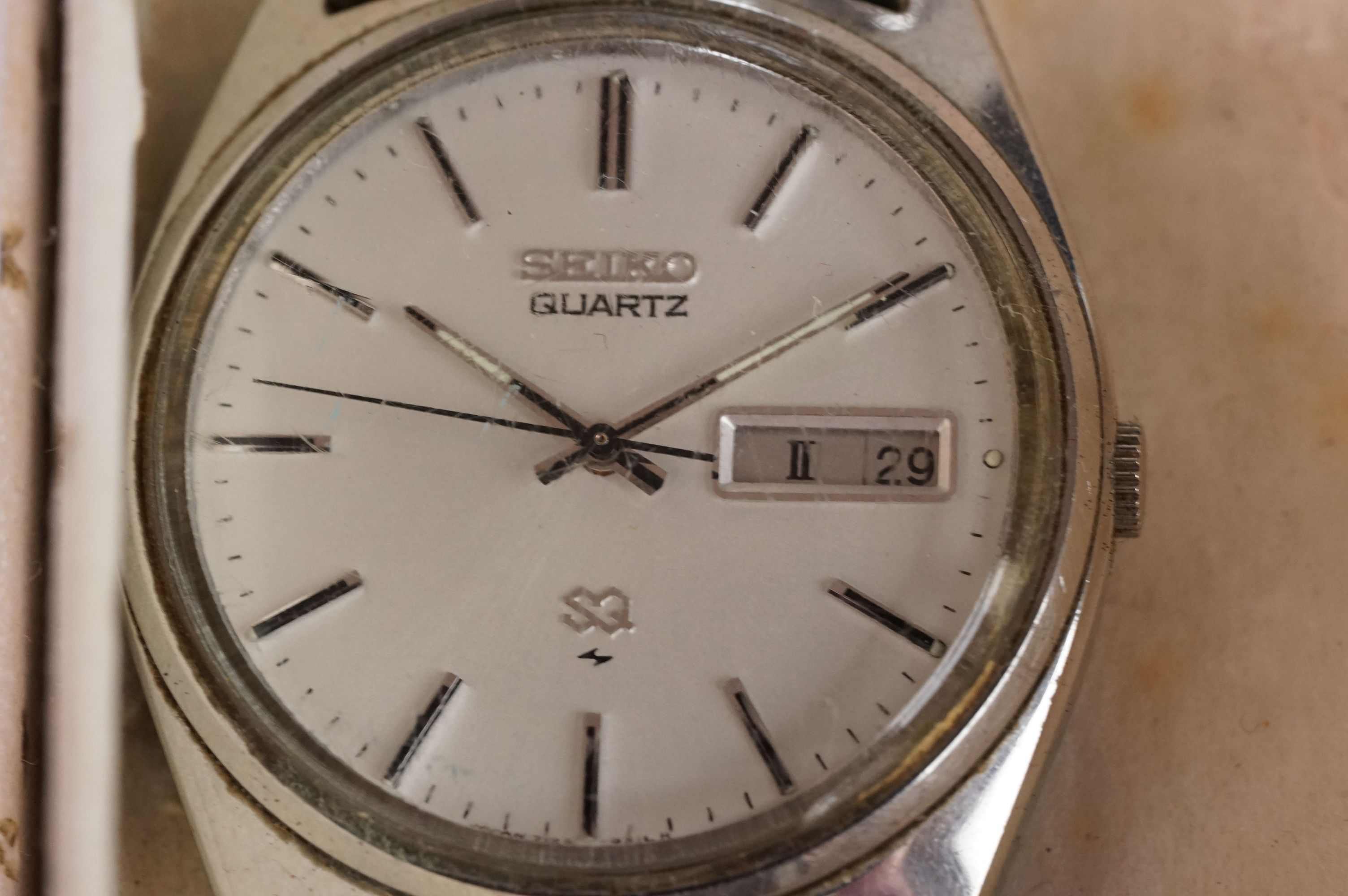 A boxed Seiko SQ gents day / date quartz wristwatch together with another Seiko and a Sekonda. - Image 3 of 8