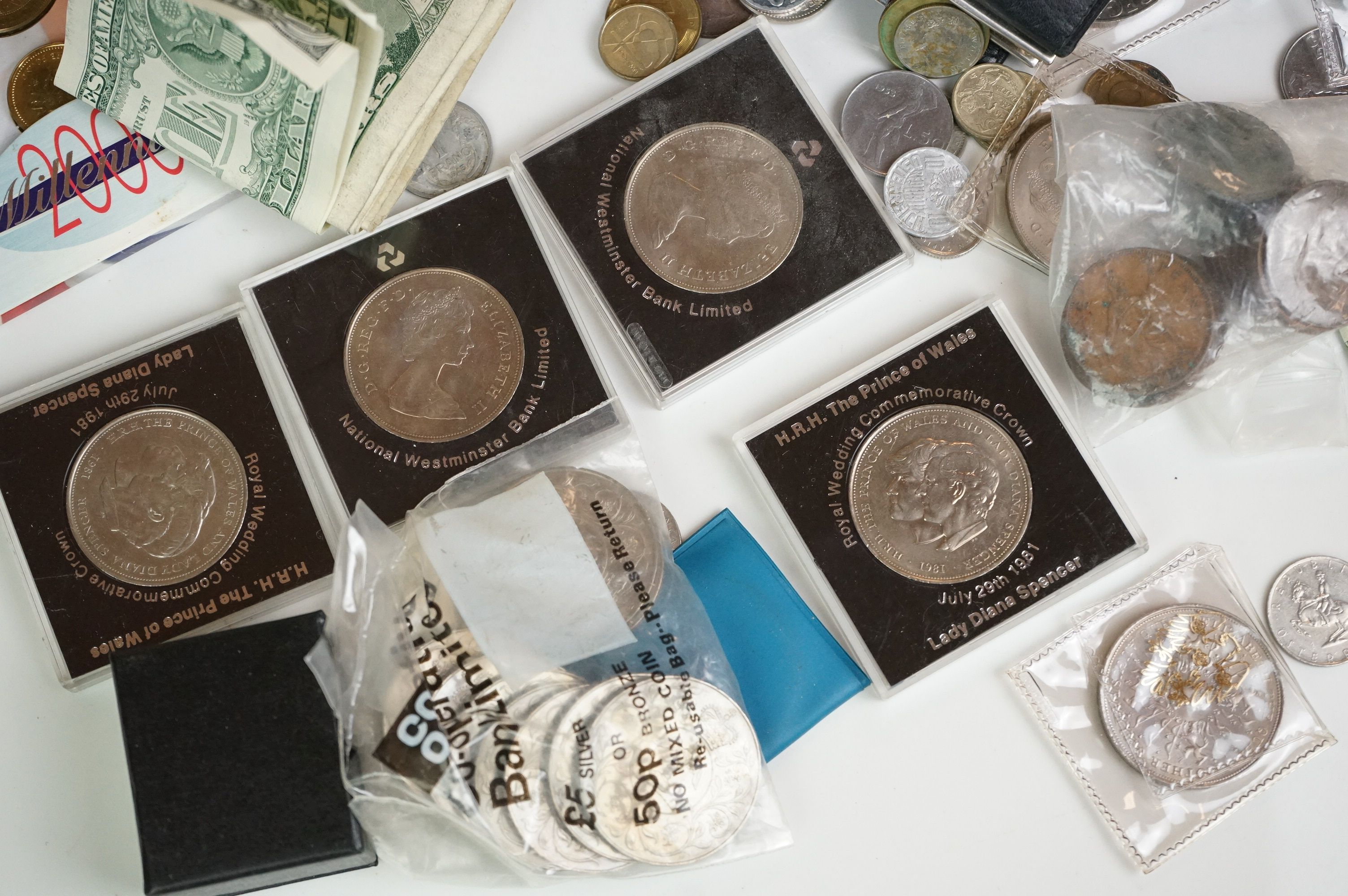A collection of British and world coins to include commemorative and proof examples - Image 2 of 9
