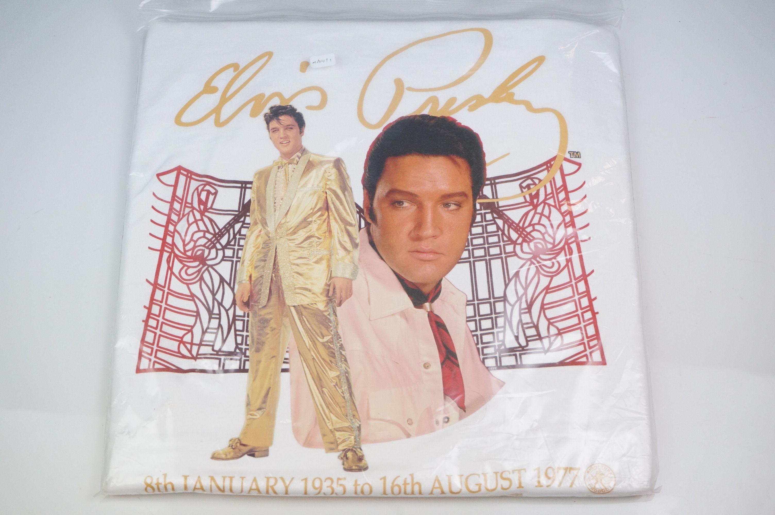 Elvis Presley memorabilia, to include Elvis Treasures, vintage jigsaw, Fruits Of The Loom Elvis T - Image 8 of 9